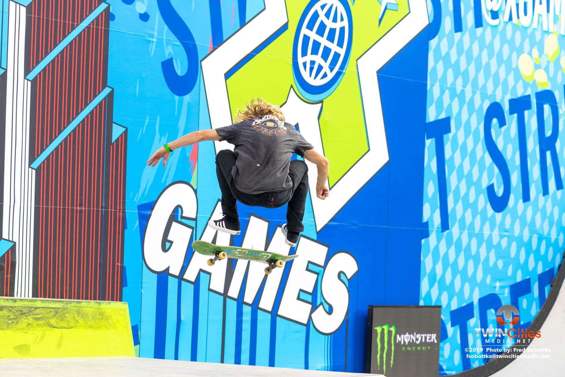 Monster-Energy-Mens-Skateboard-Street-Elimination-01