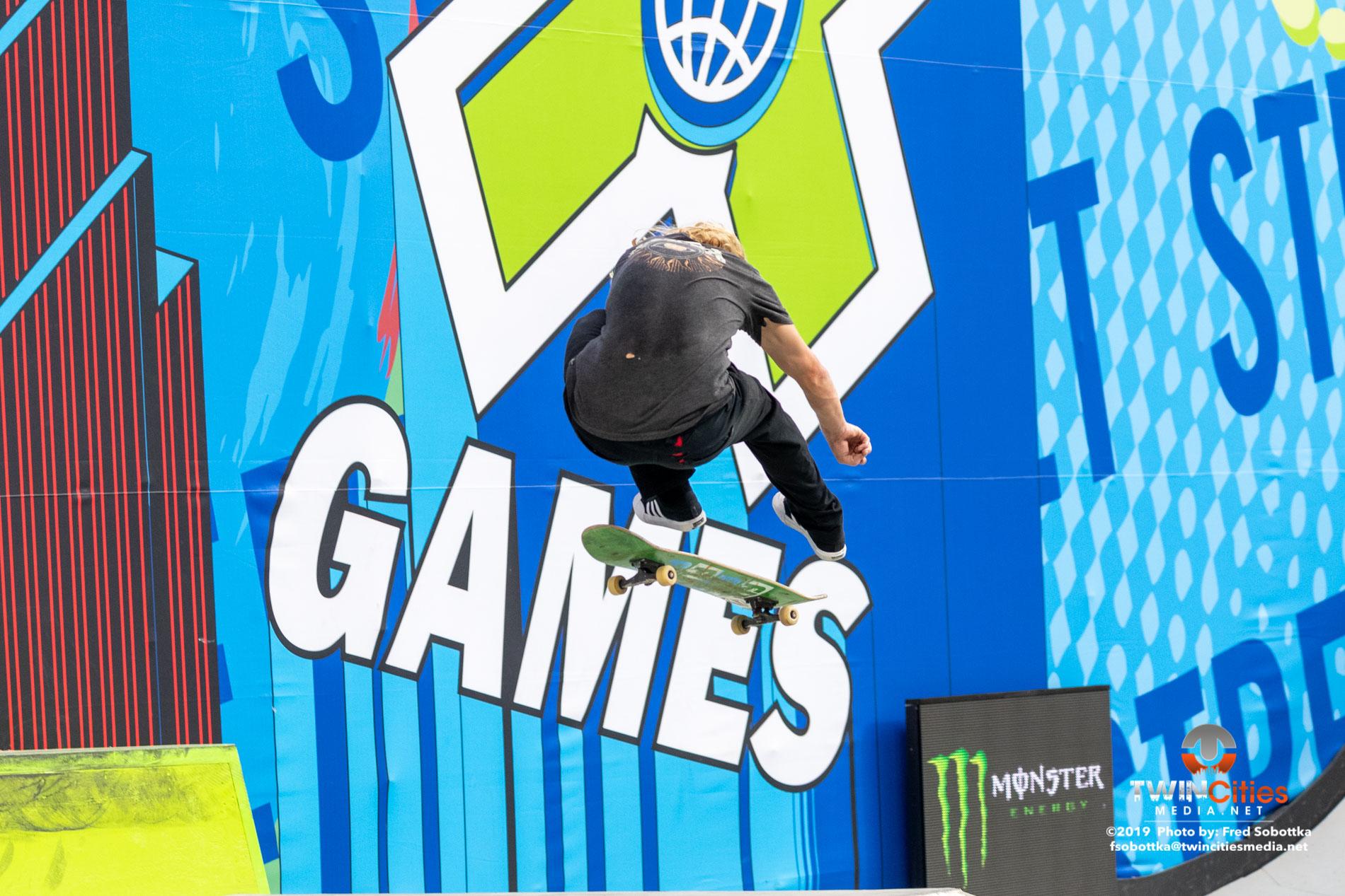 Monster-Energy-Mens-Skateboard-Street-Elimination-08