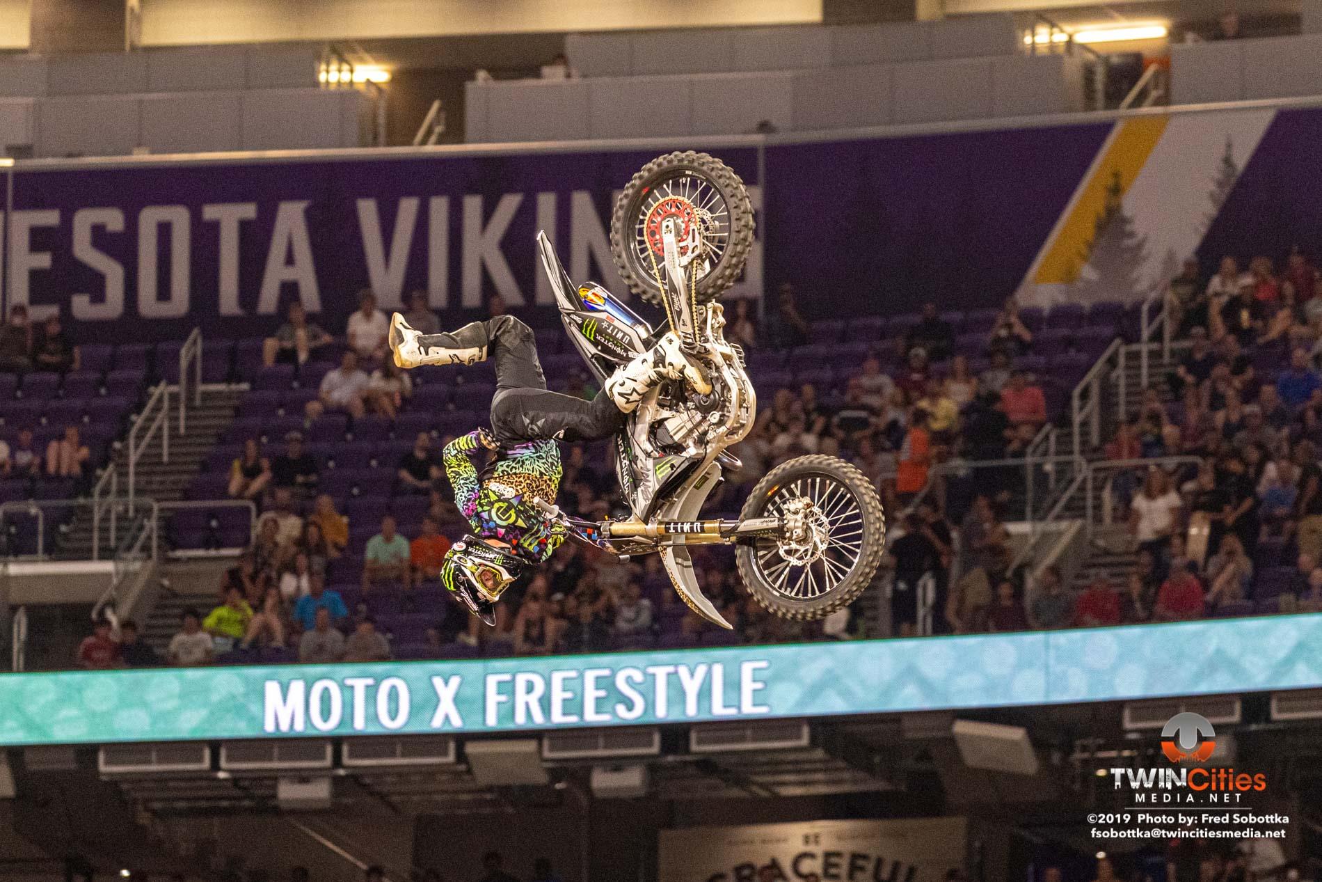 Moto-X-Freestyle-01
