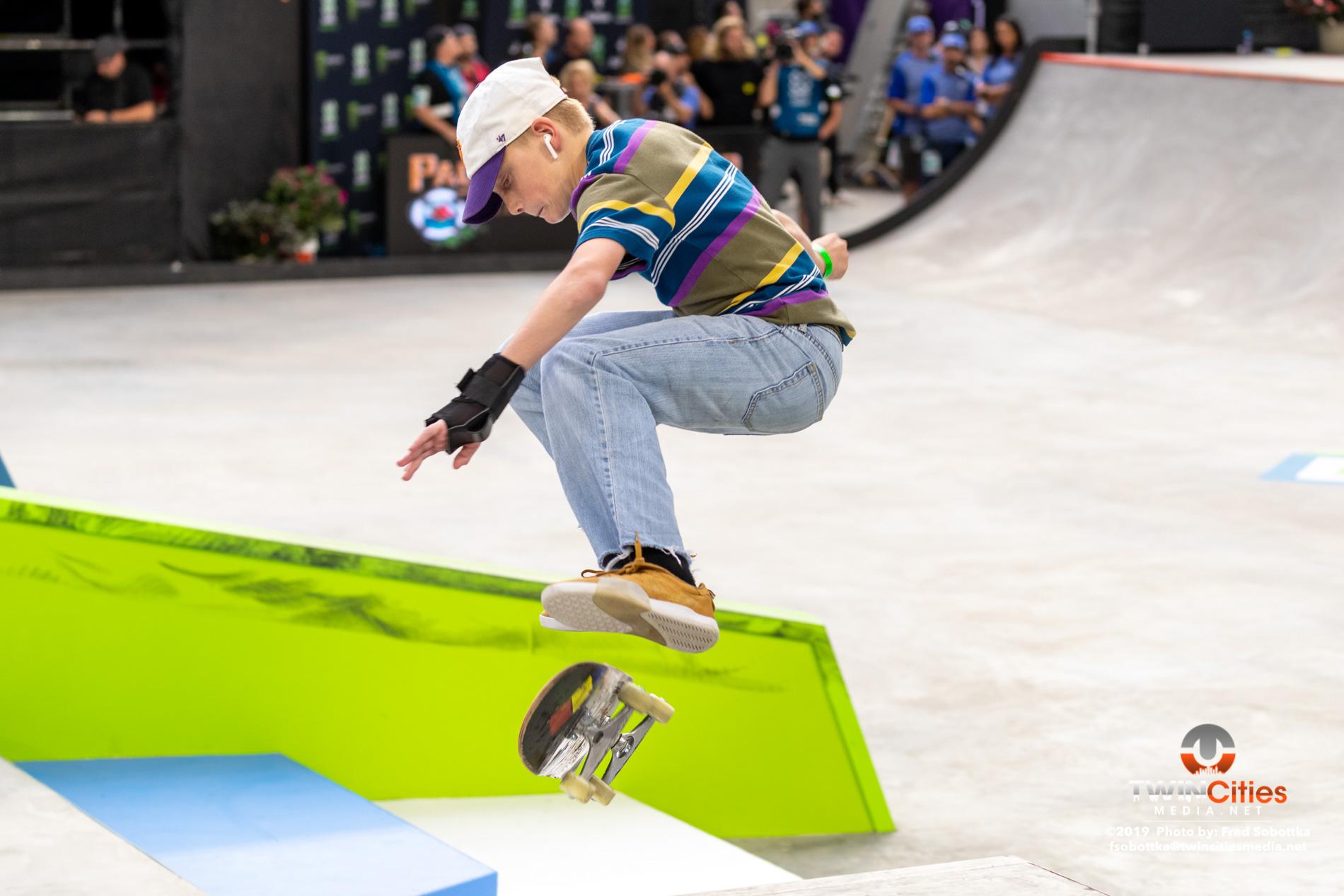 Next-X-Skateboard-Street-01