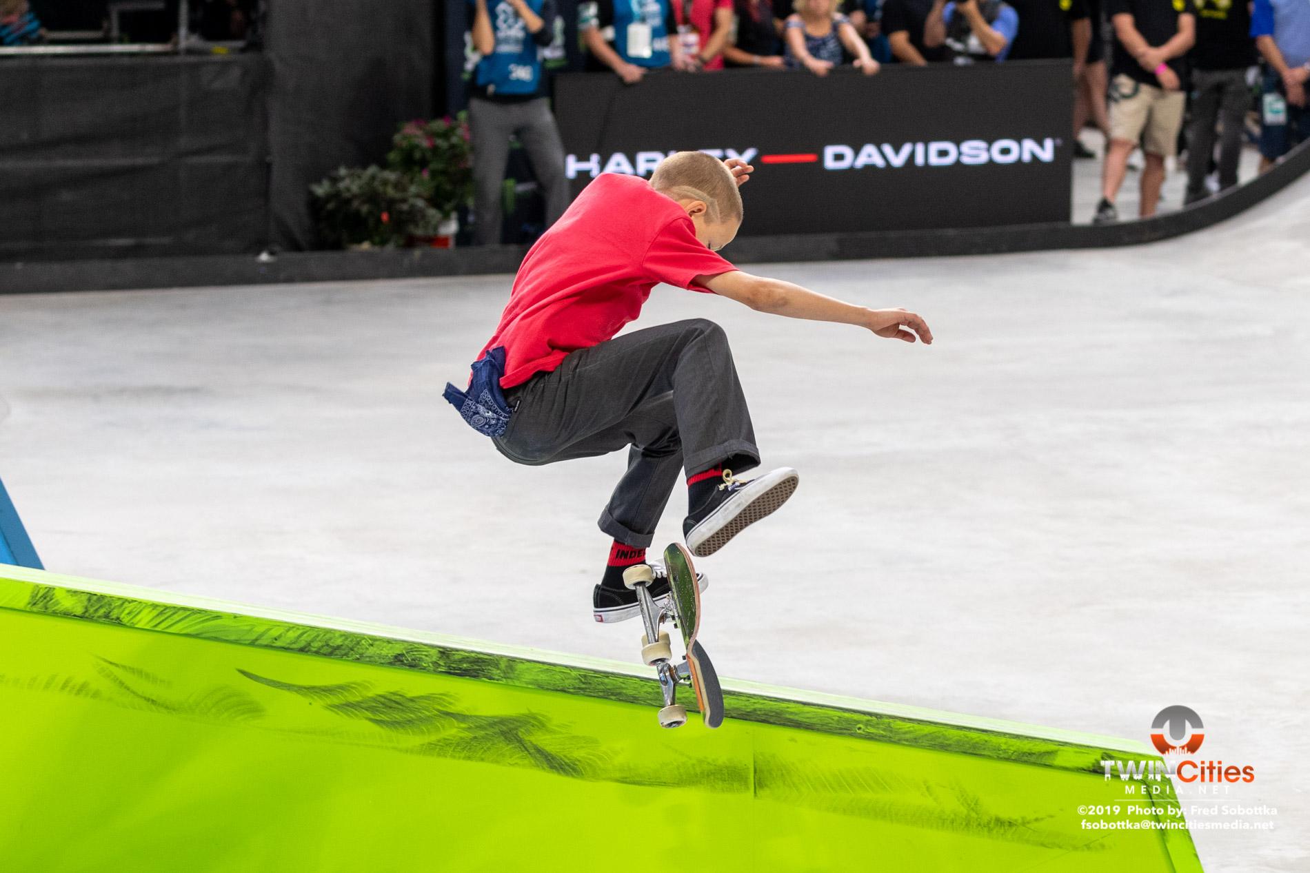 Next-X-Skateboard-Street-04