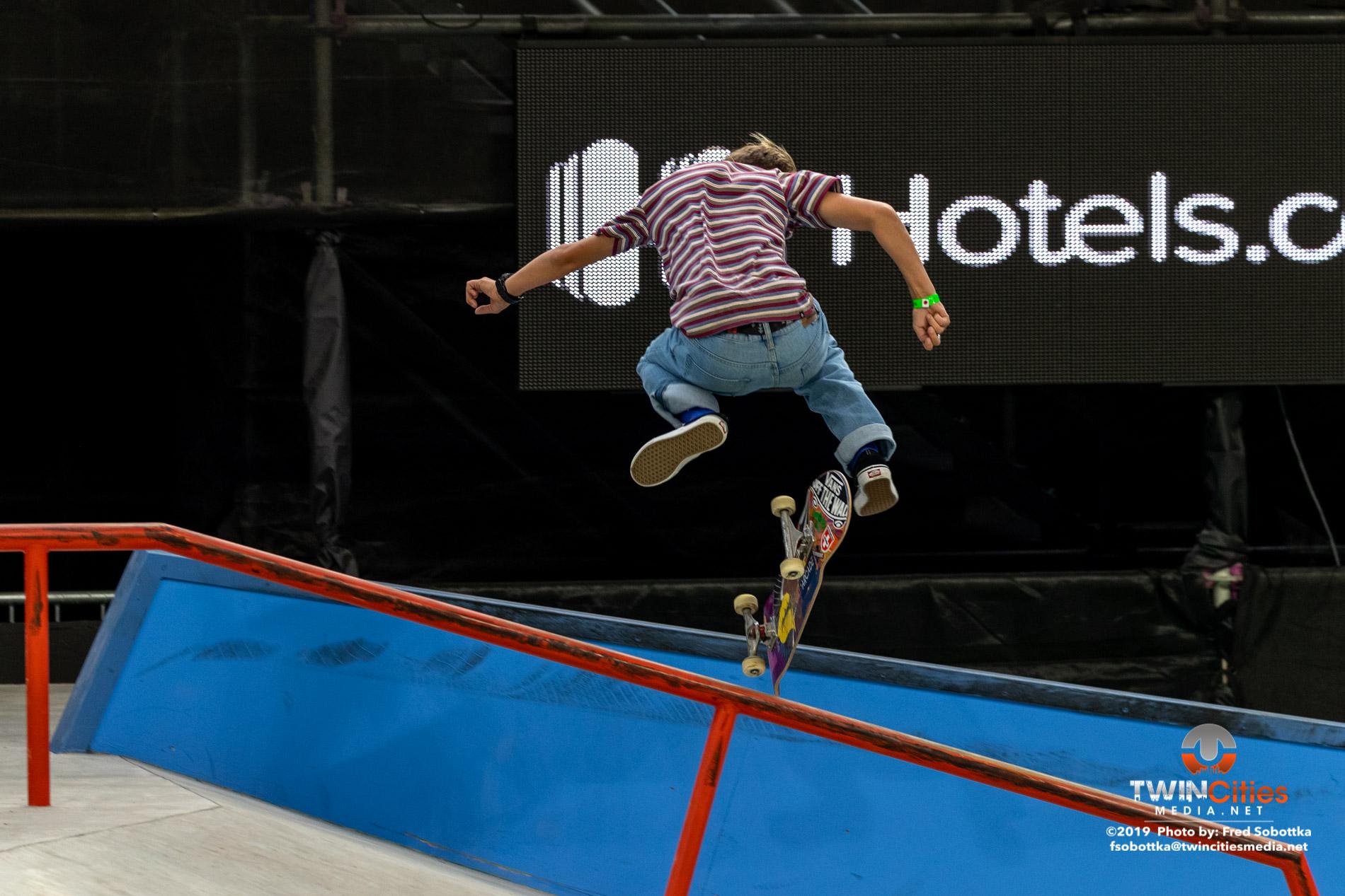 Next-X-Skateboard-Street-08