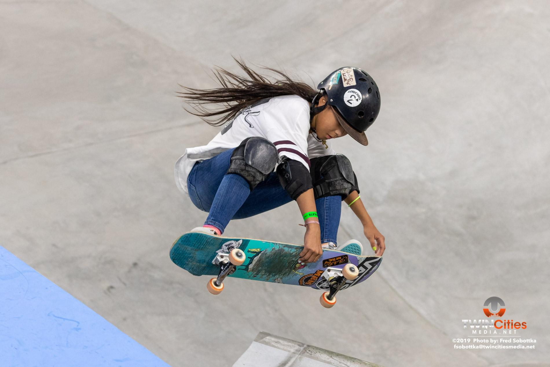Womens-Skateboard-Park-03