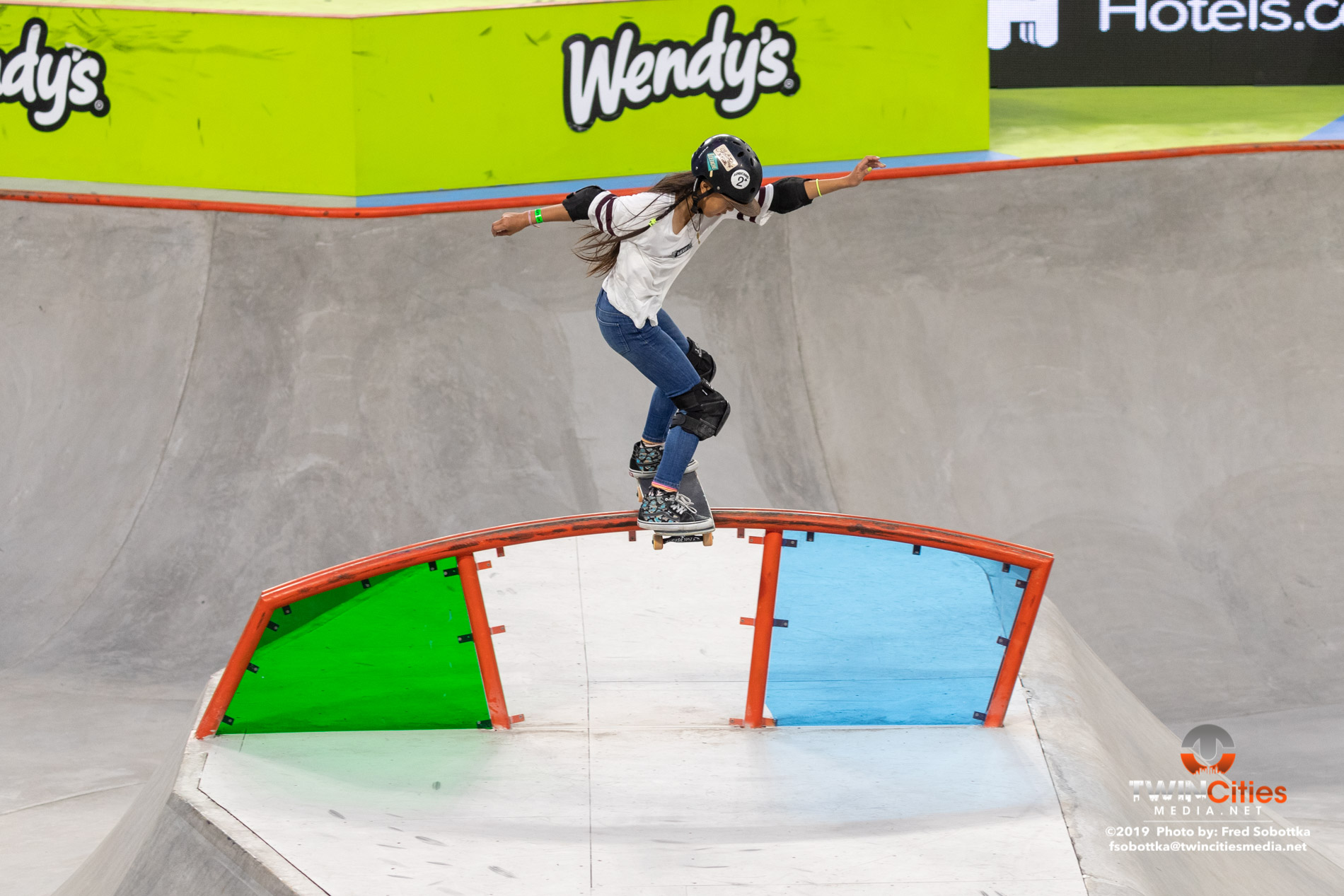 Womens-Skateboard-Park-06