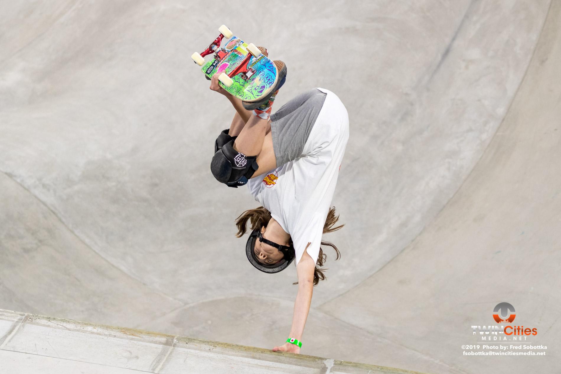 Womens-Skateboard-Park-10