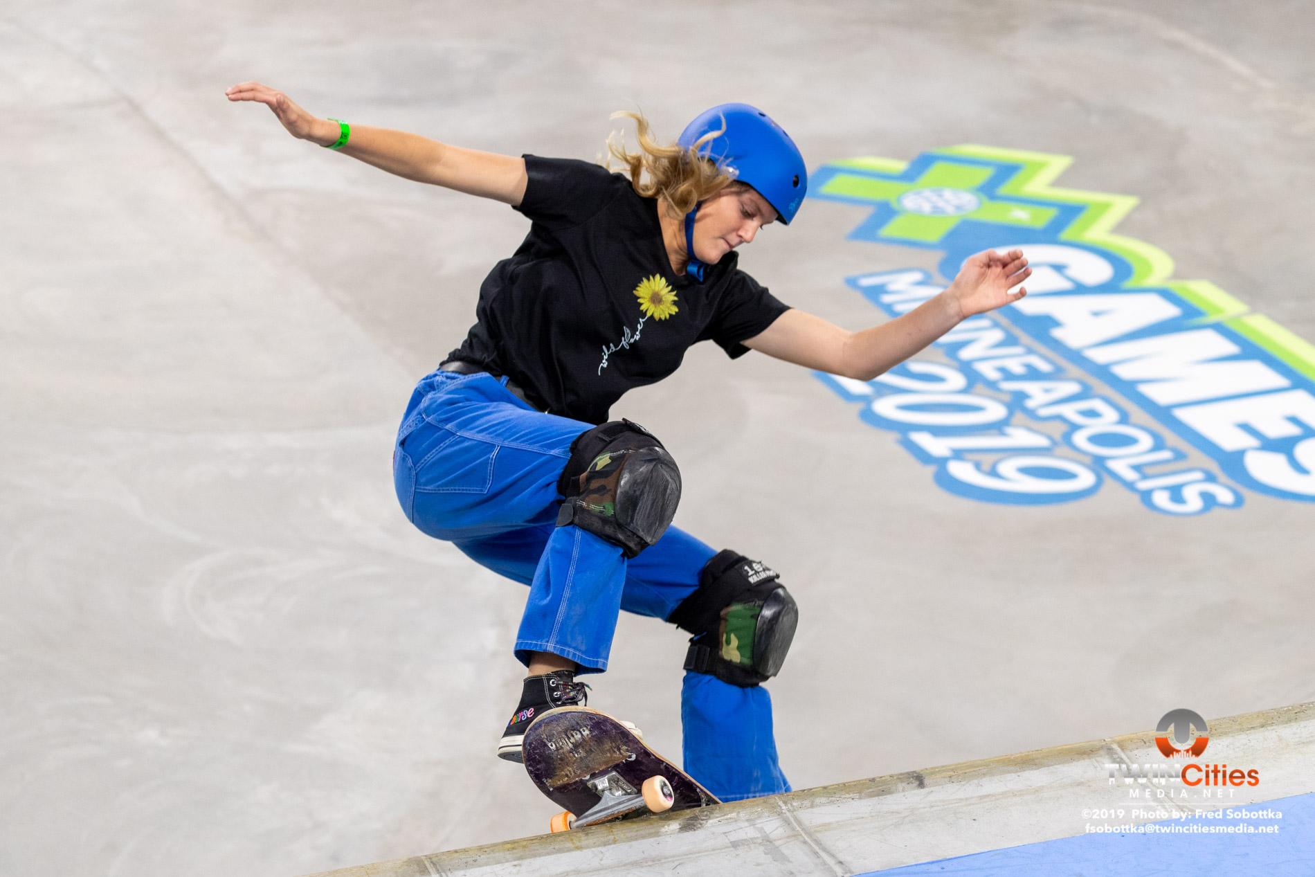 Womens-Skateboard-Park-12