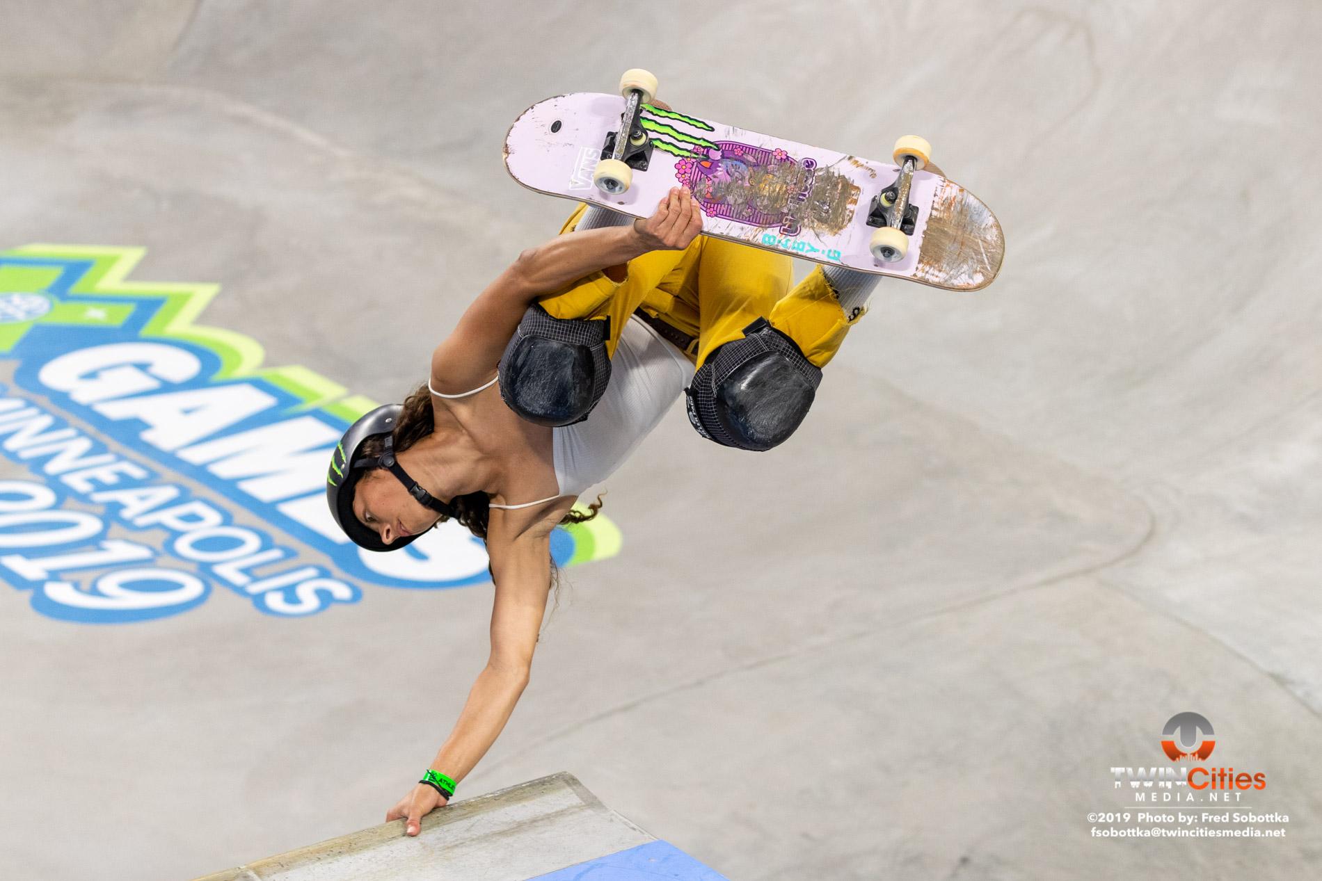 Womens-Skateboard-Park-13