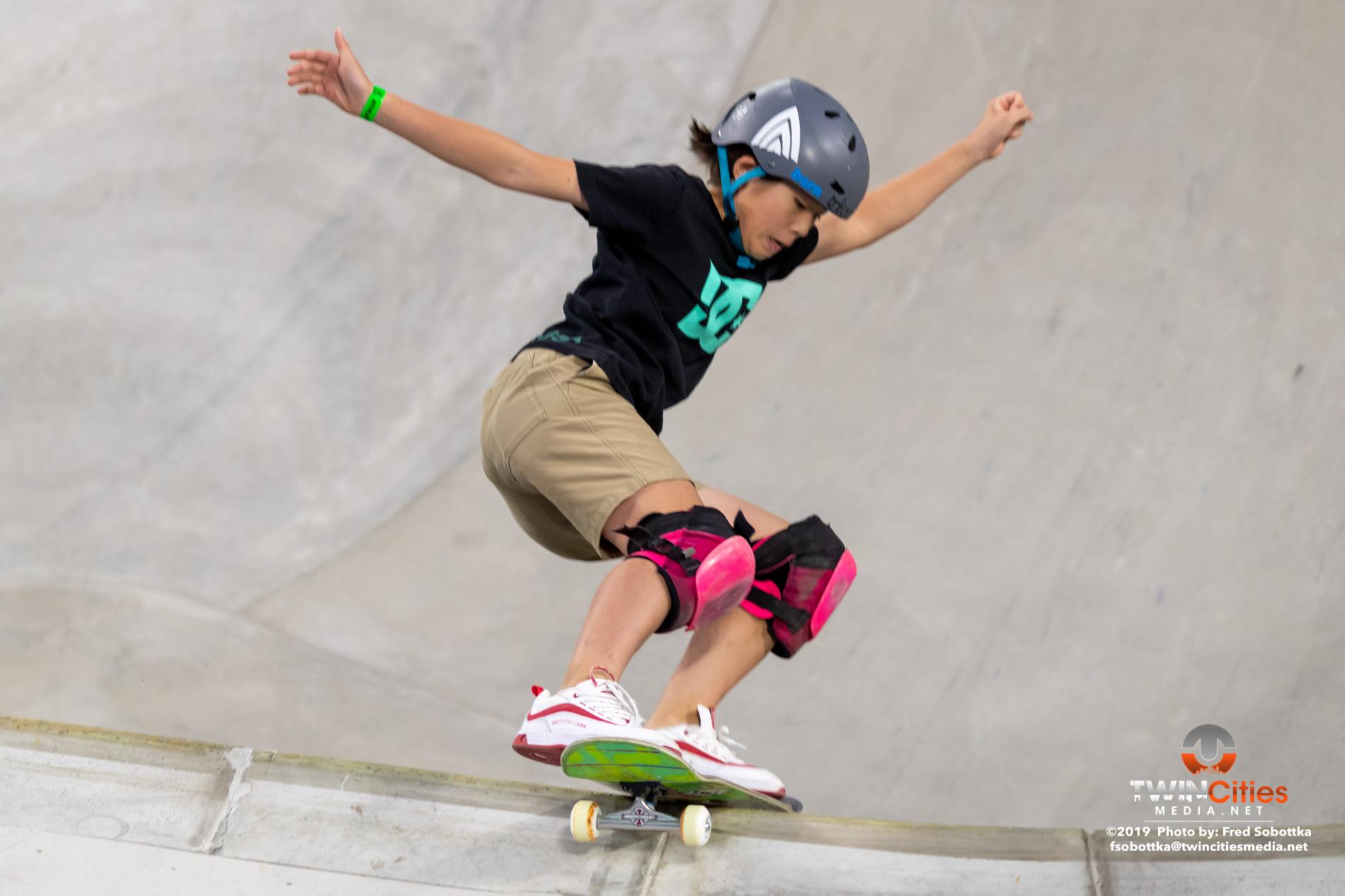 Womens-Skateboard-Park-15