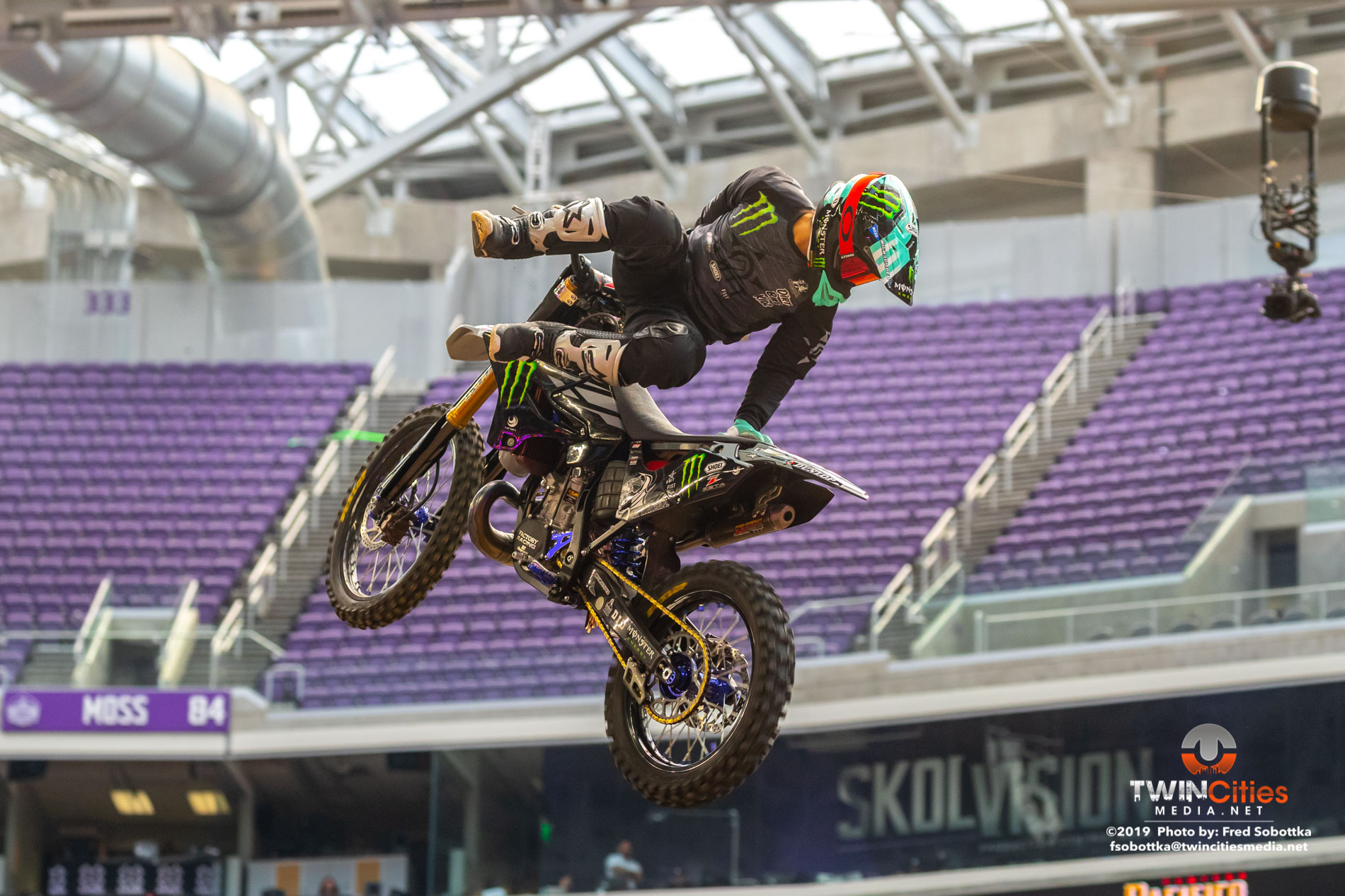 Monster-Energy-Moto-X-Best-Trick-08