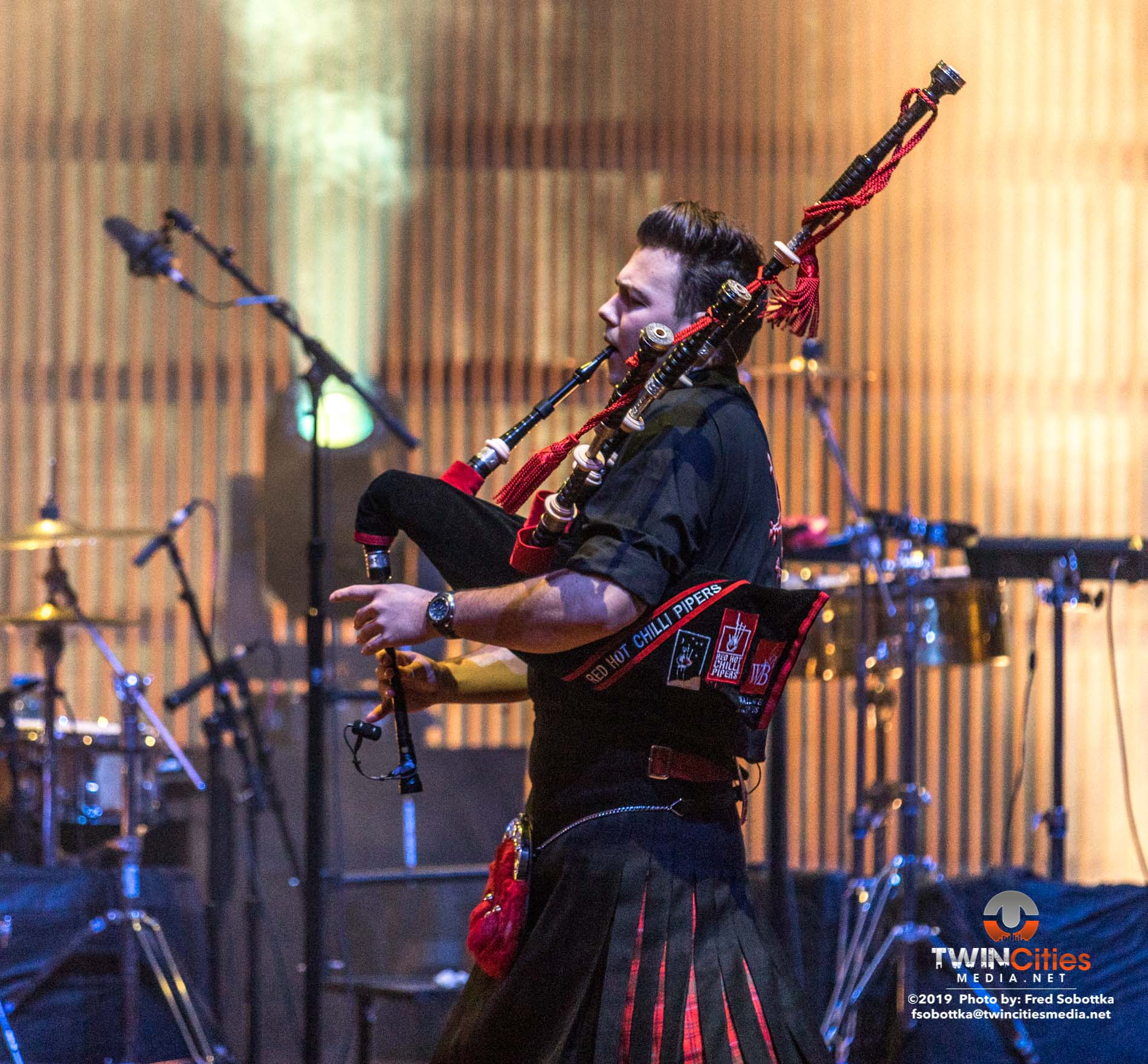 Red-Hot-Chilli-Pipers-06