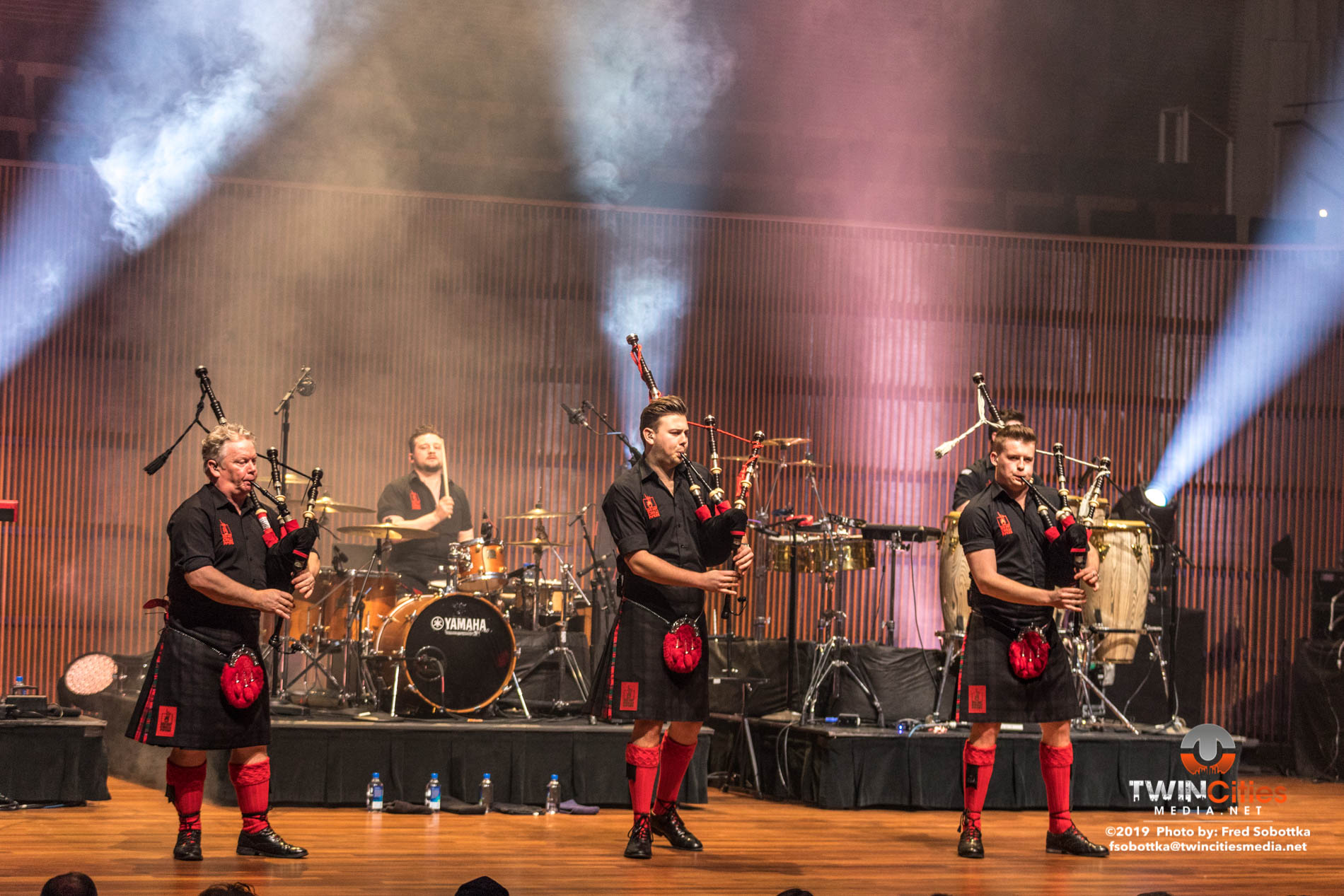 Red-Hot-Chilli-Pipers-08