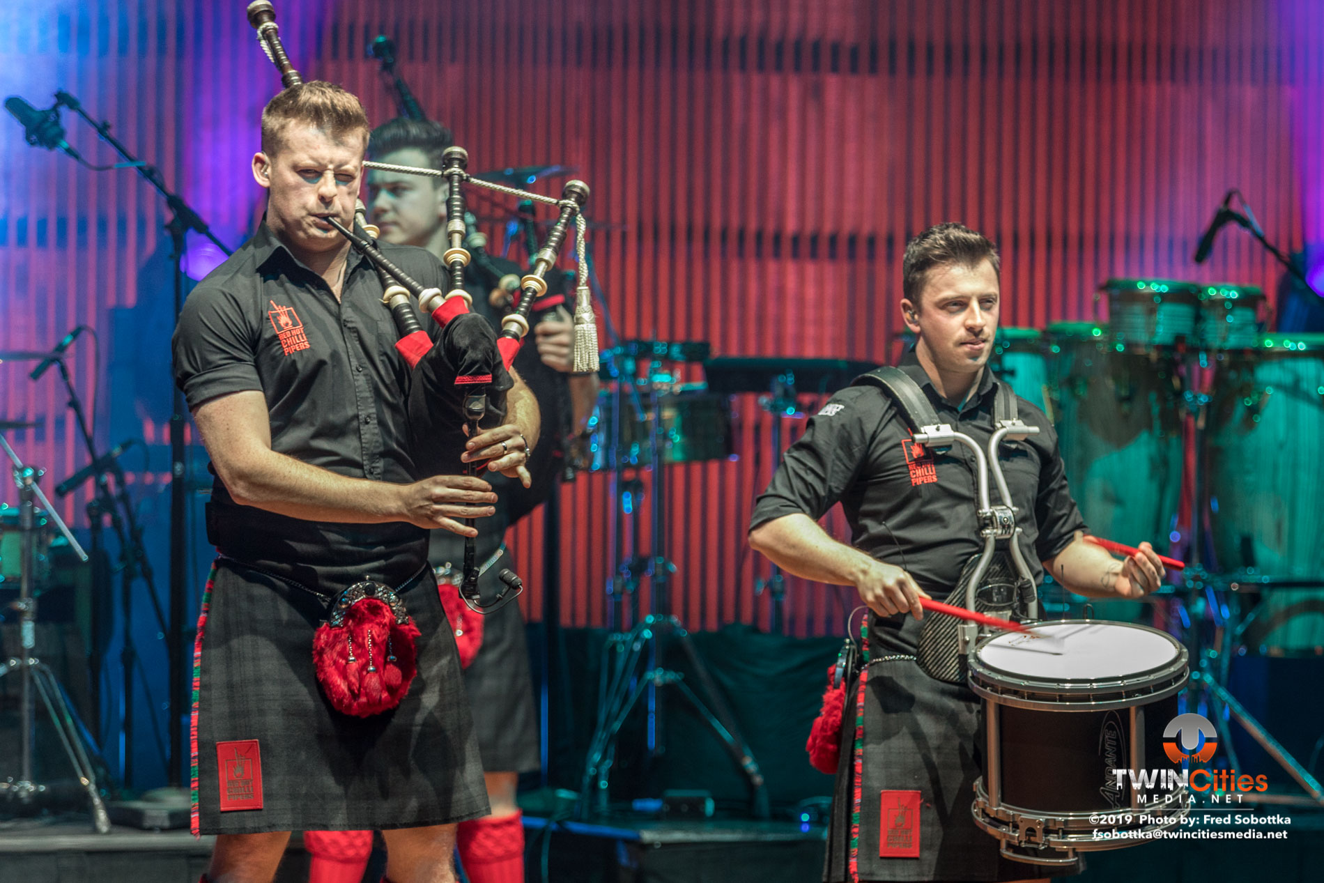 Red-Hot-Chilli-Pipers-14