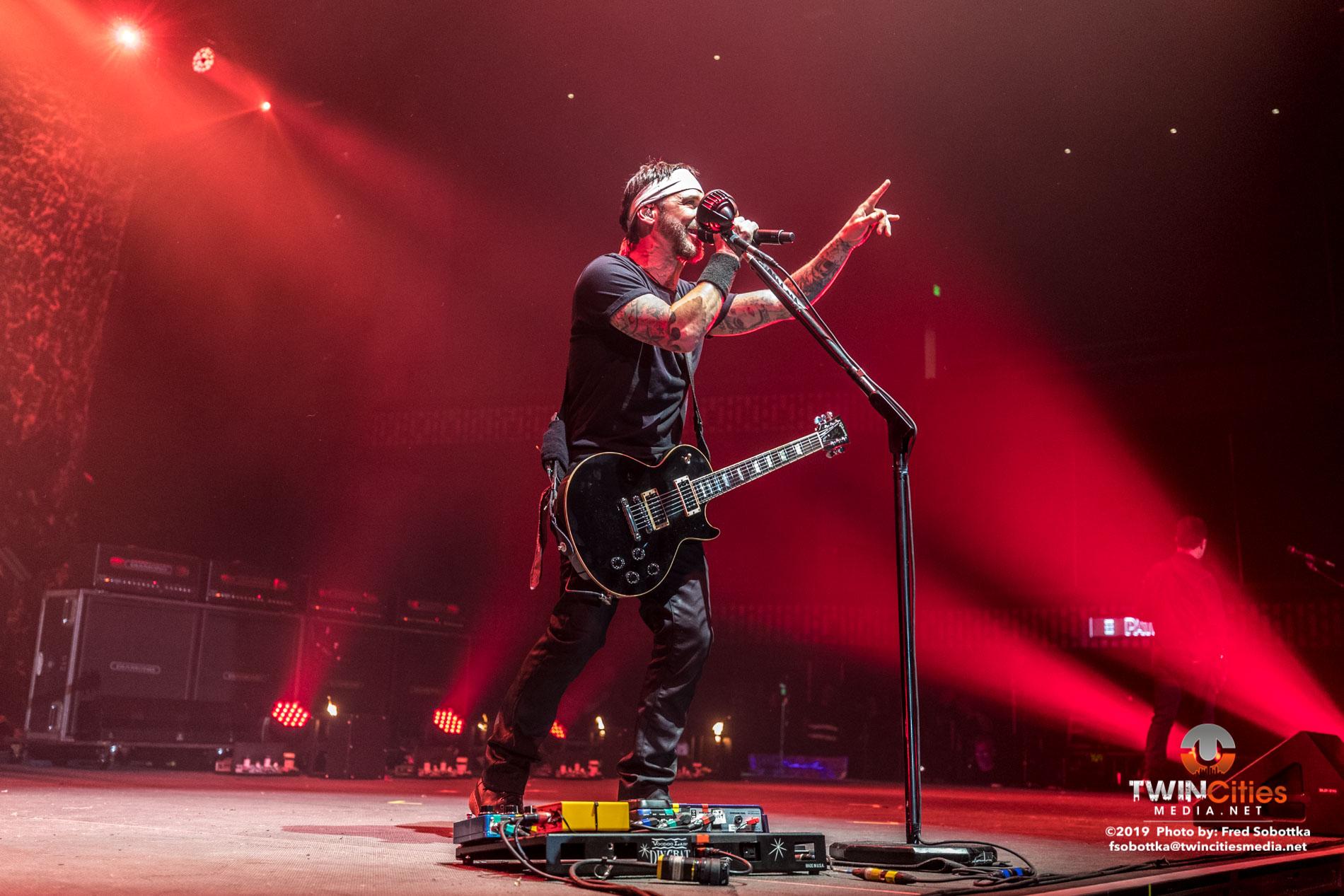 Godsmack-06