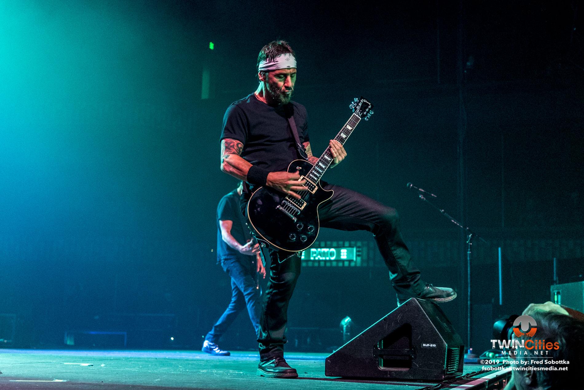 Godsmack-08