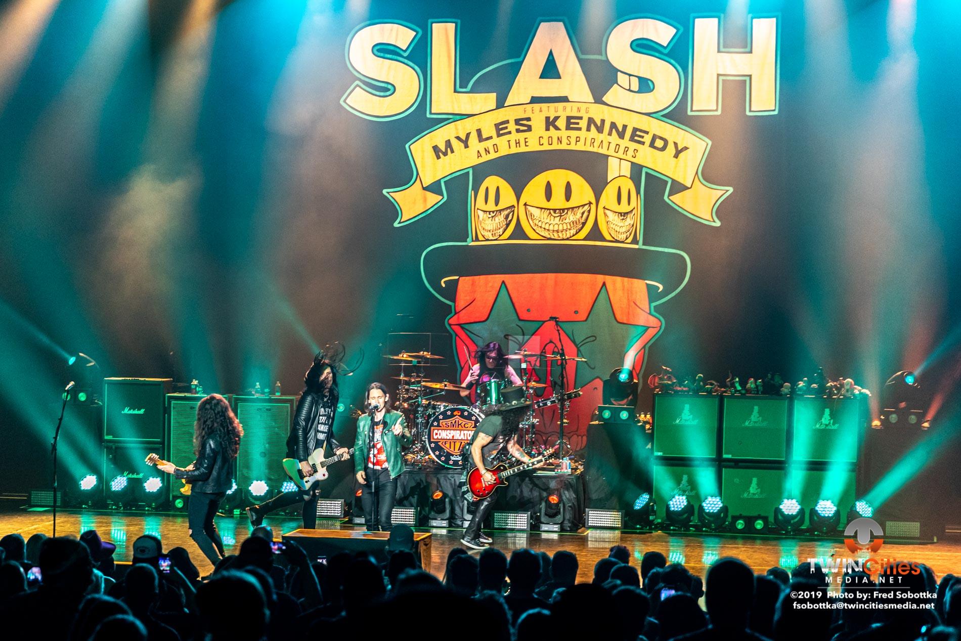 Slash-01