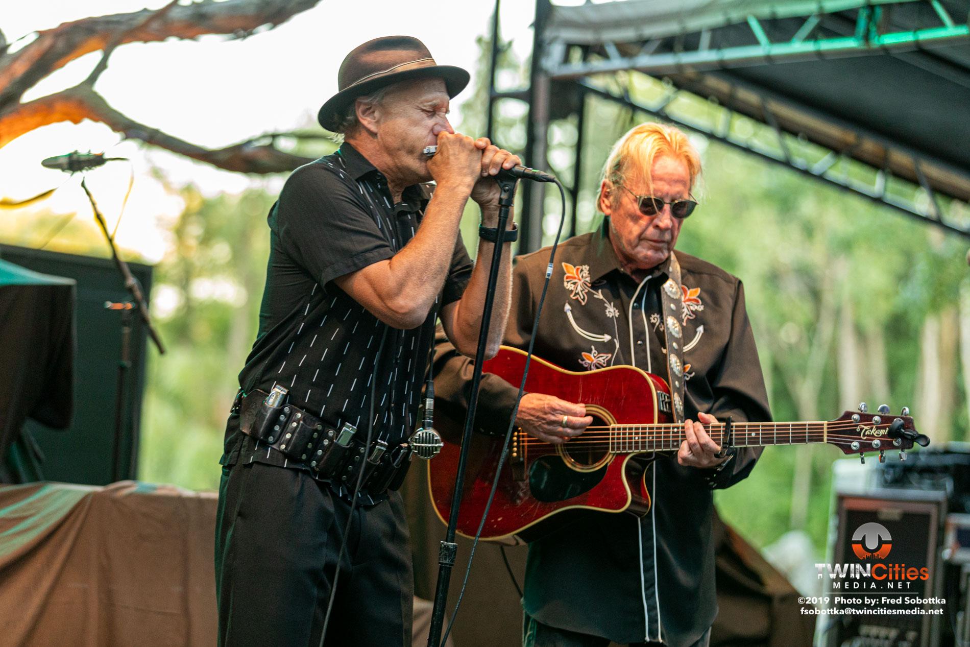 Paul-Metsa-and-Sonny-Earl-01
