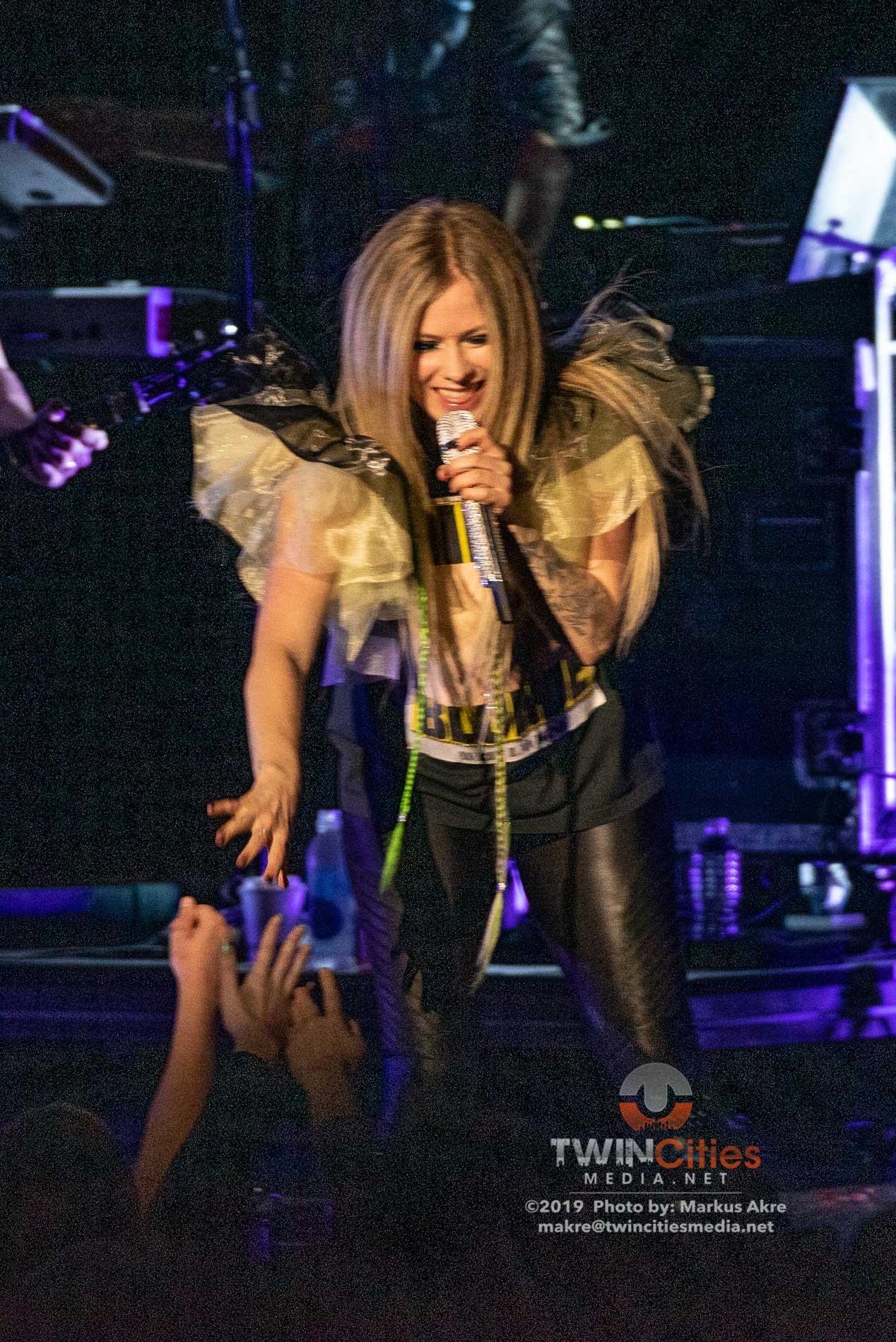 Avril-Lavigne-11