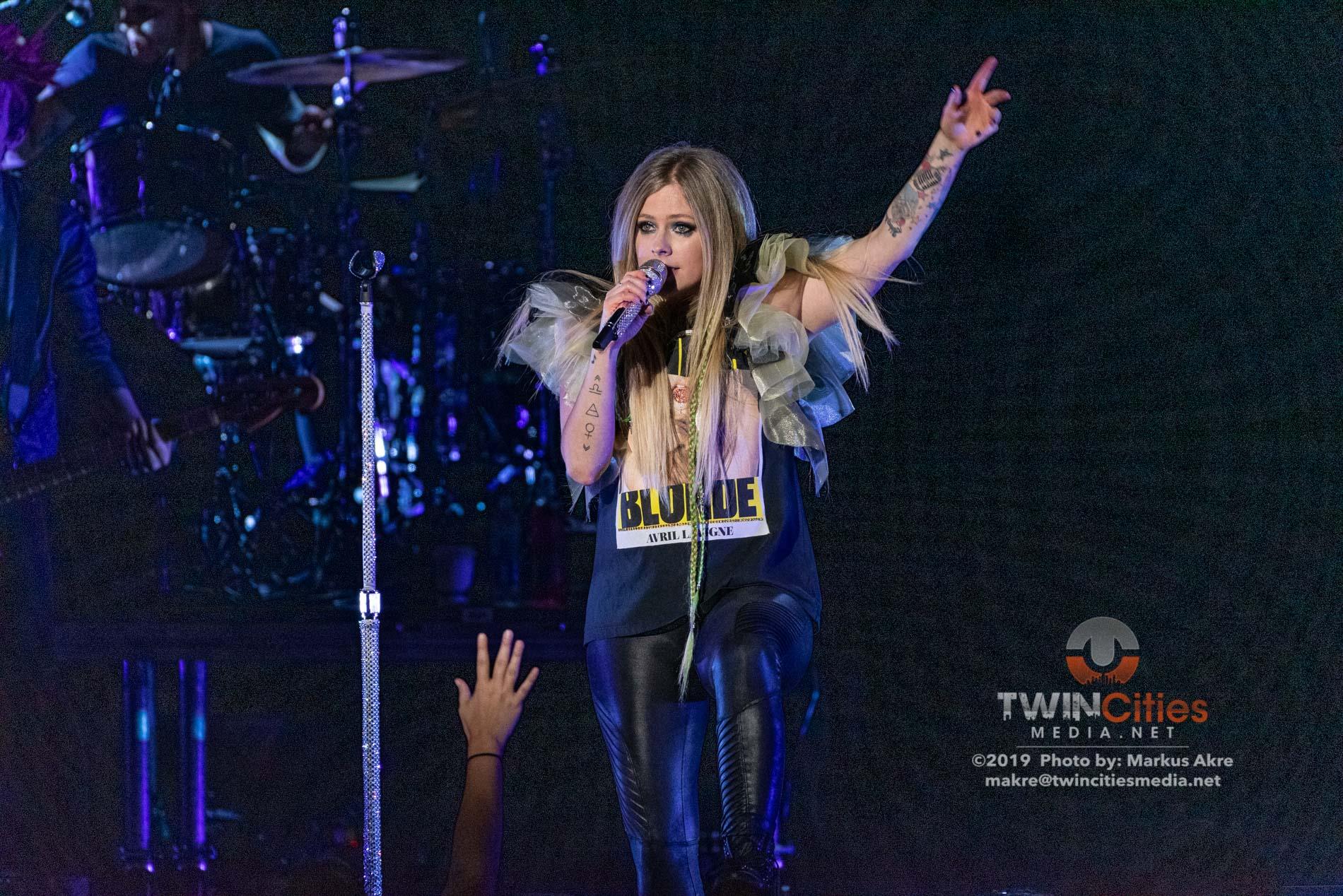 Avril-Lavigne-12