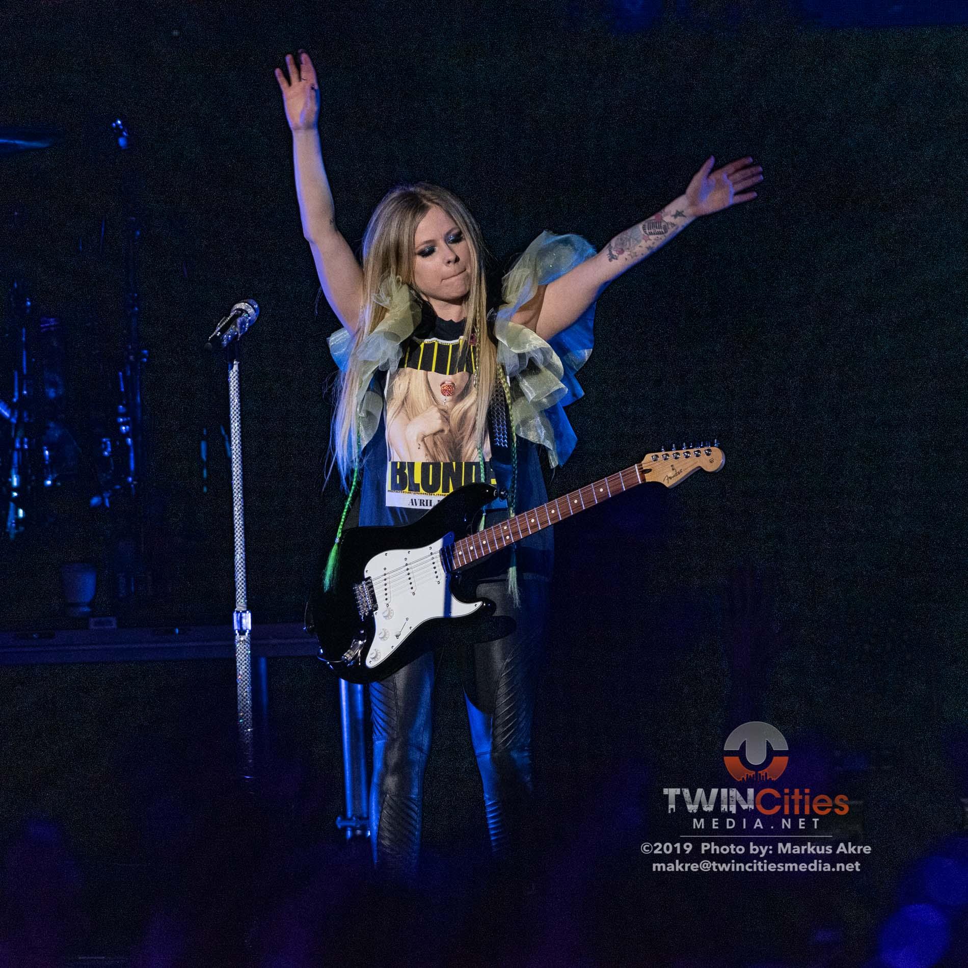 Avril-Lavigne-5