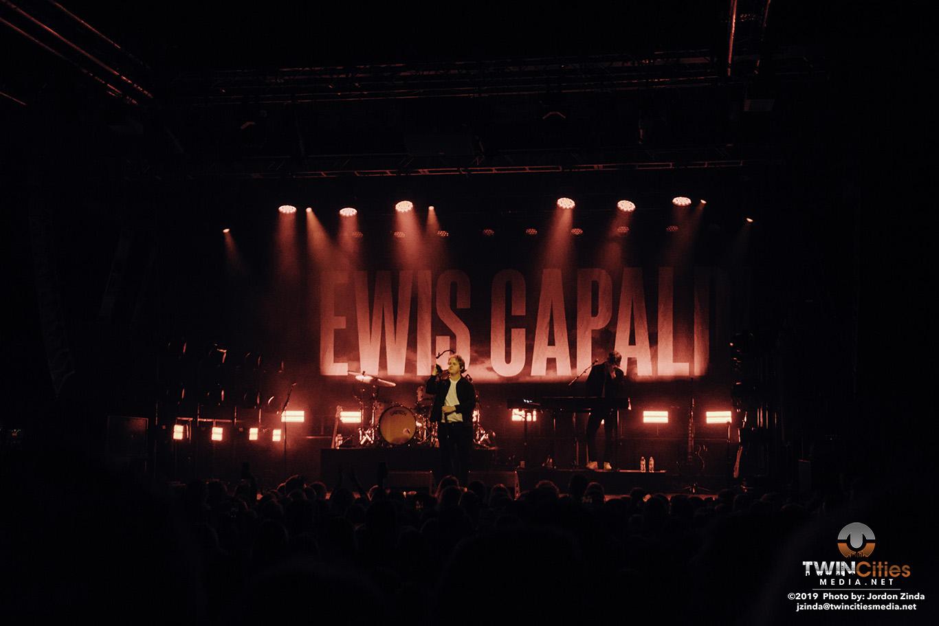 Lewis-Capaldi-10