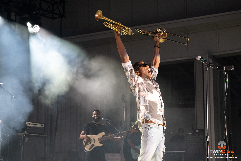 Trombone-Shorty-3