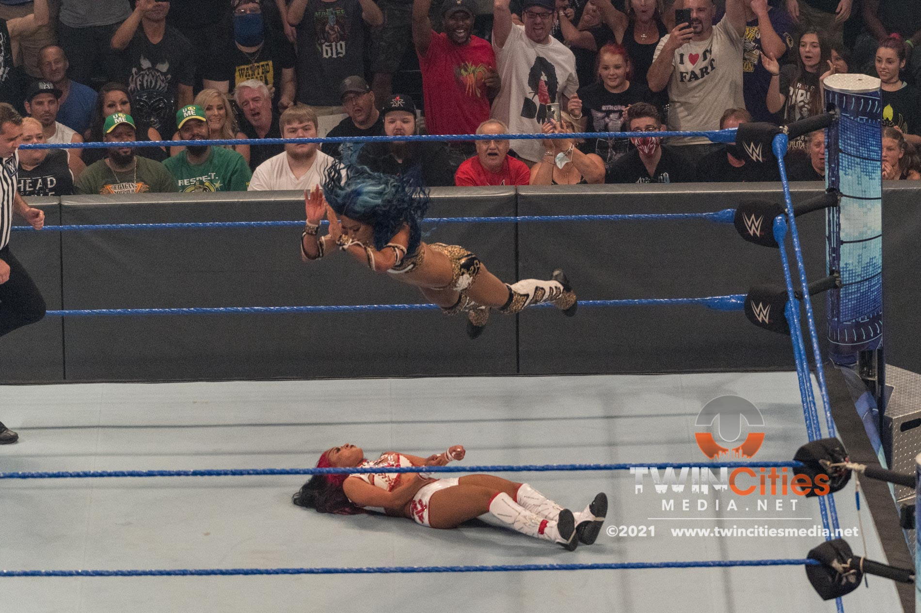 WWE-Friday-Night-Smackdown-18