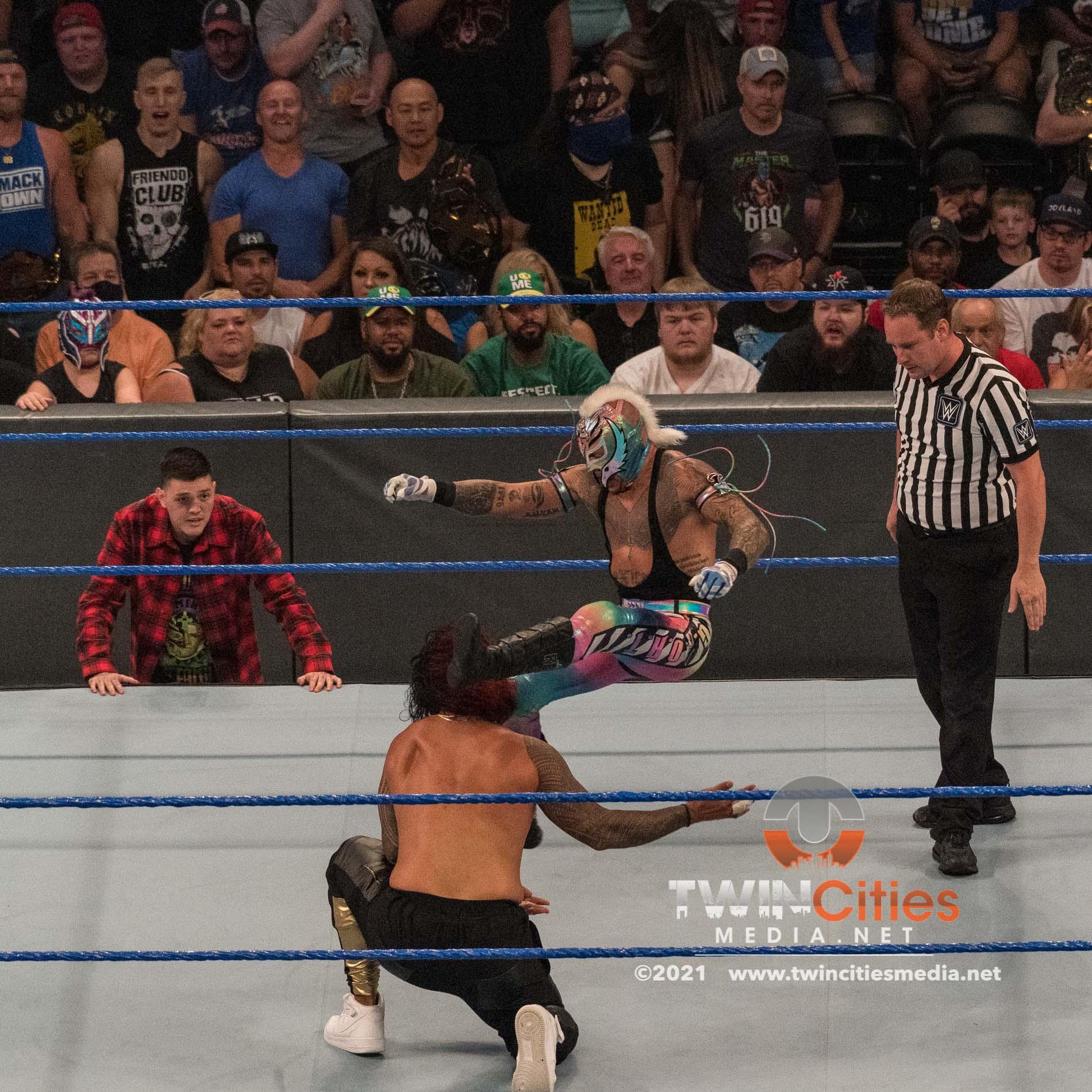 WWE-Friday-Night-Smackdown-6