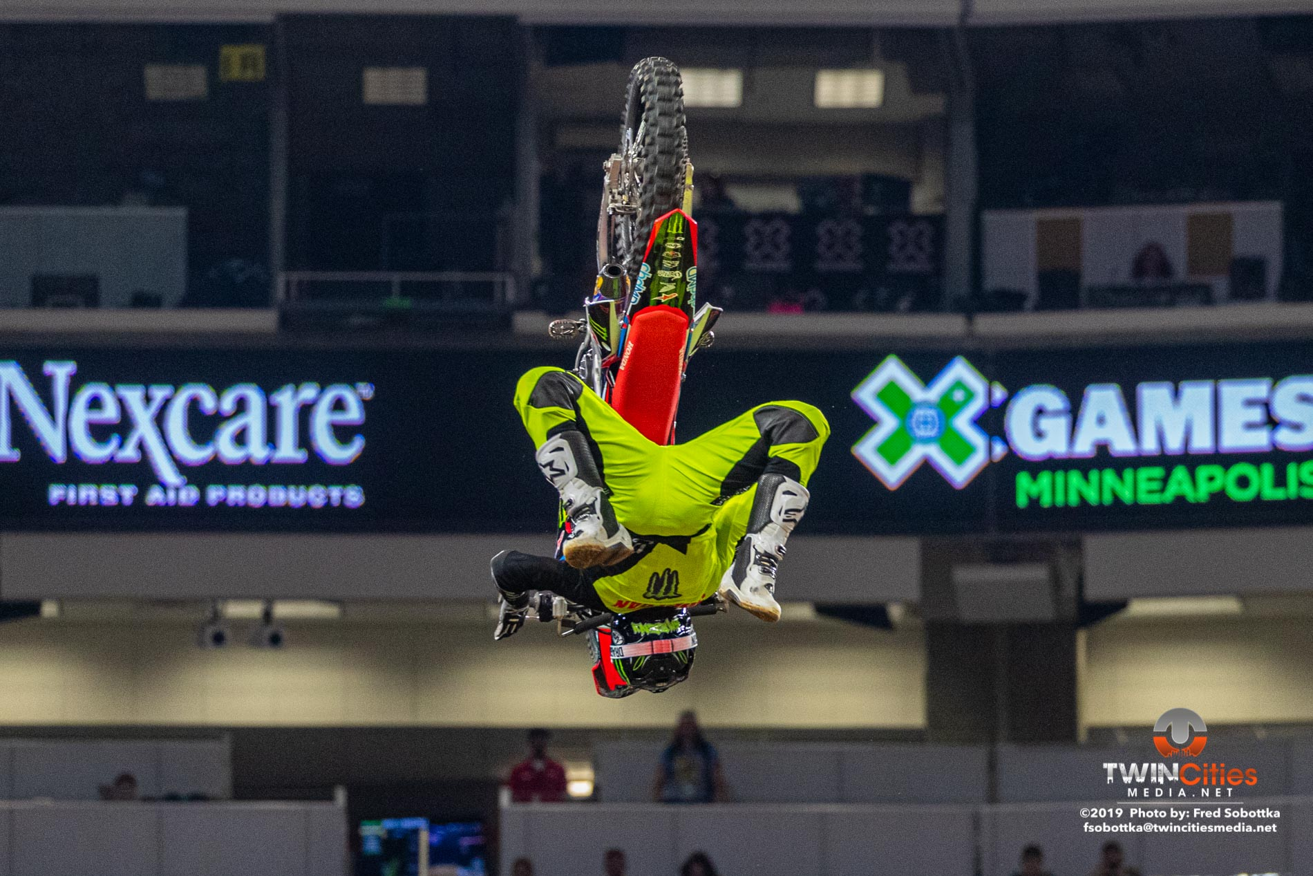Moto-X-Freestyle-04