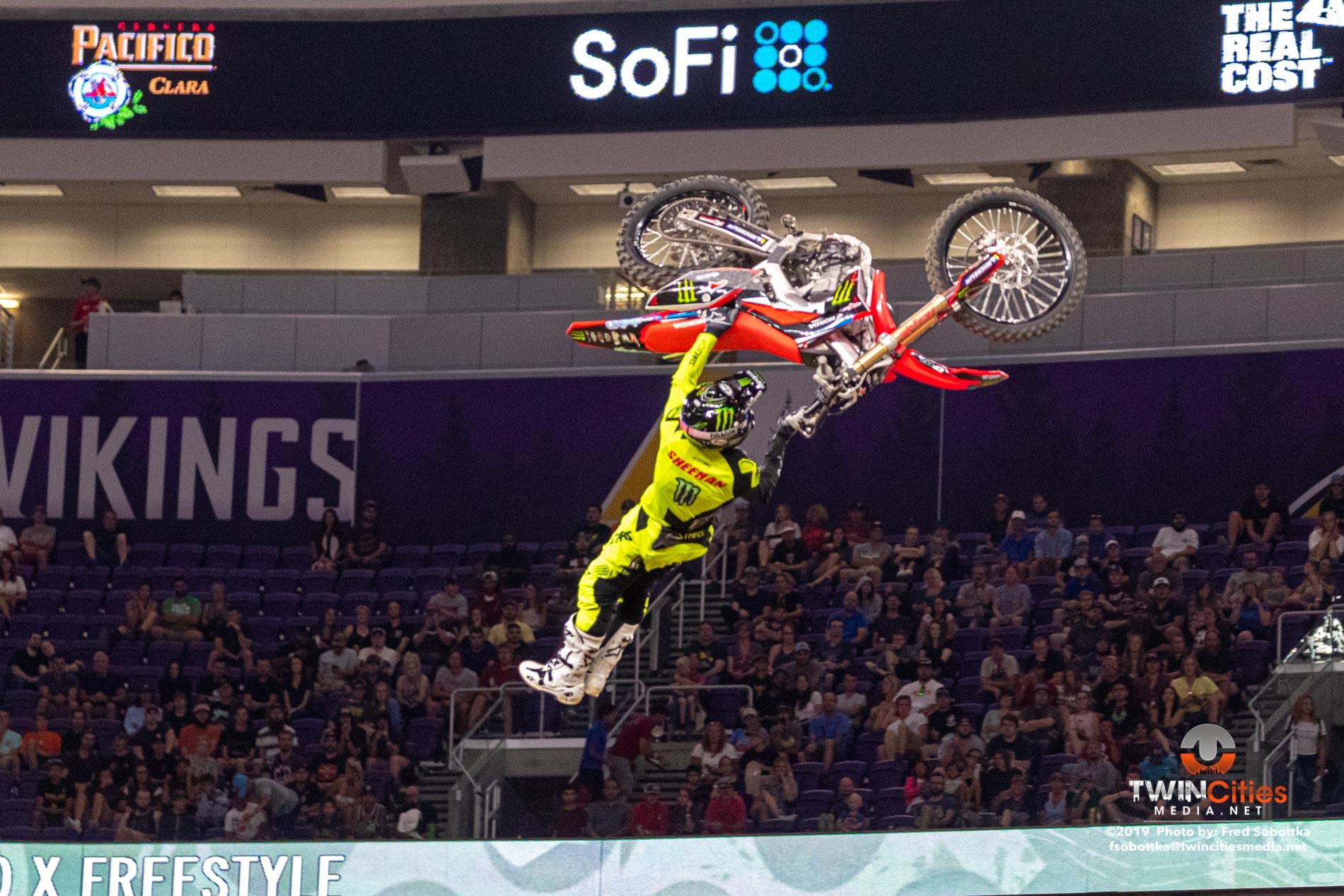 Moto-X-Freestyle-05