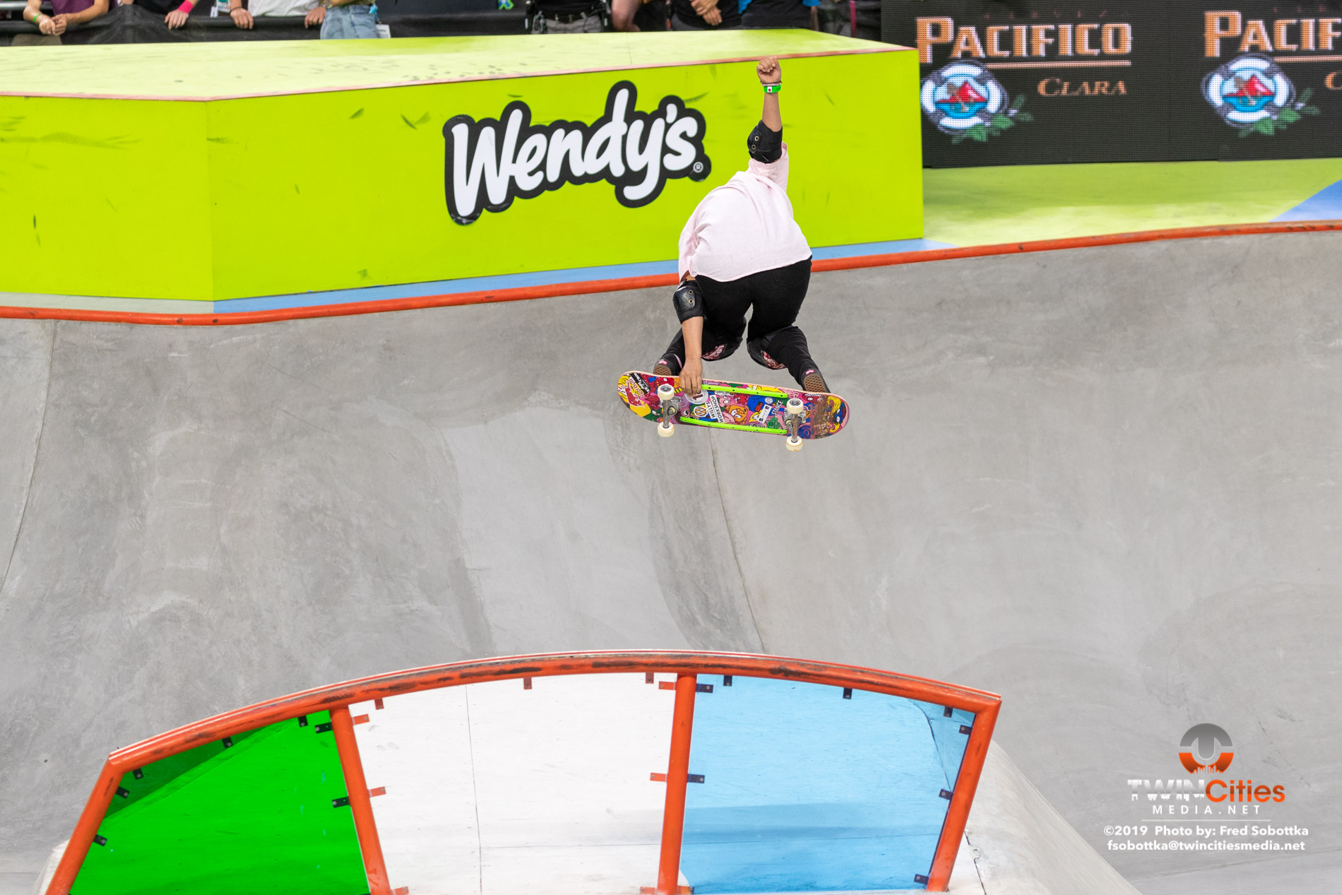 Womens-Skateboard-Park-01