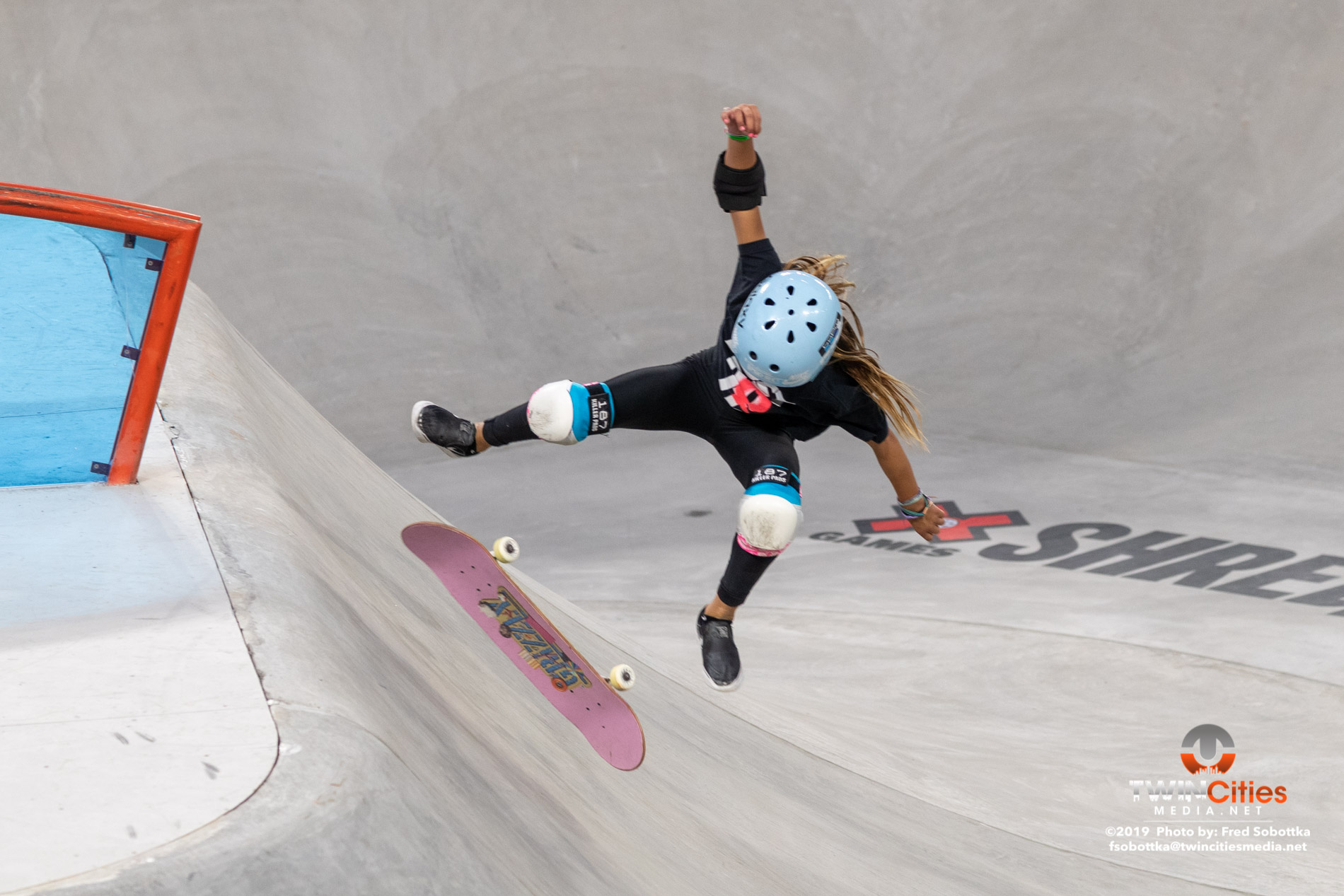 Womens-Skateboard-Park-02