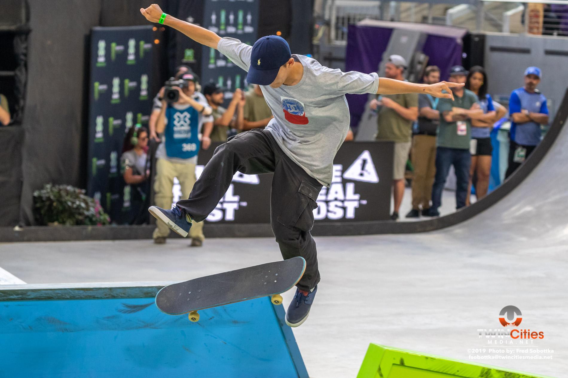 Monster-Energy-Mens-Skateboard-Street-07