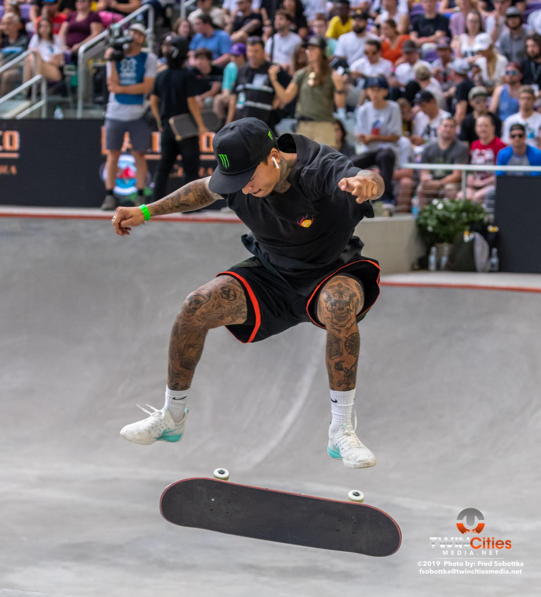 Monster-Energy-Mens-Skateboard-Street-10