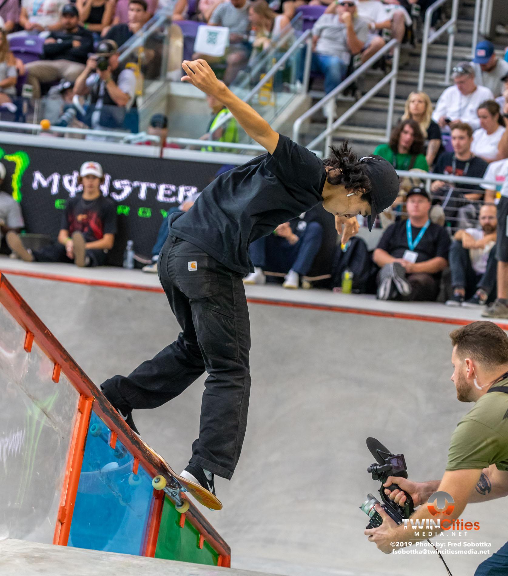 Monster-Energy-Mens-Skateboard-Street-14