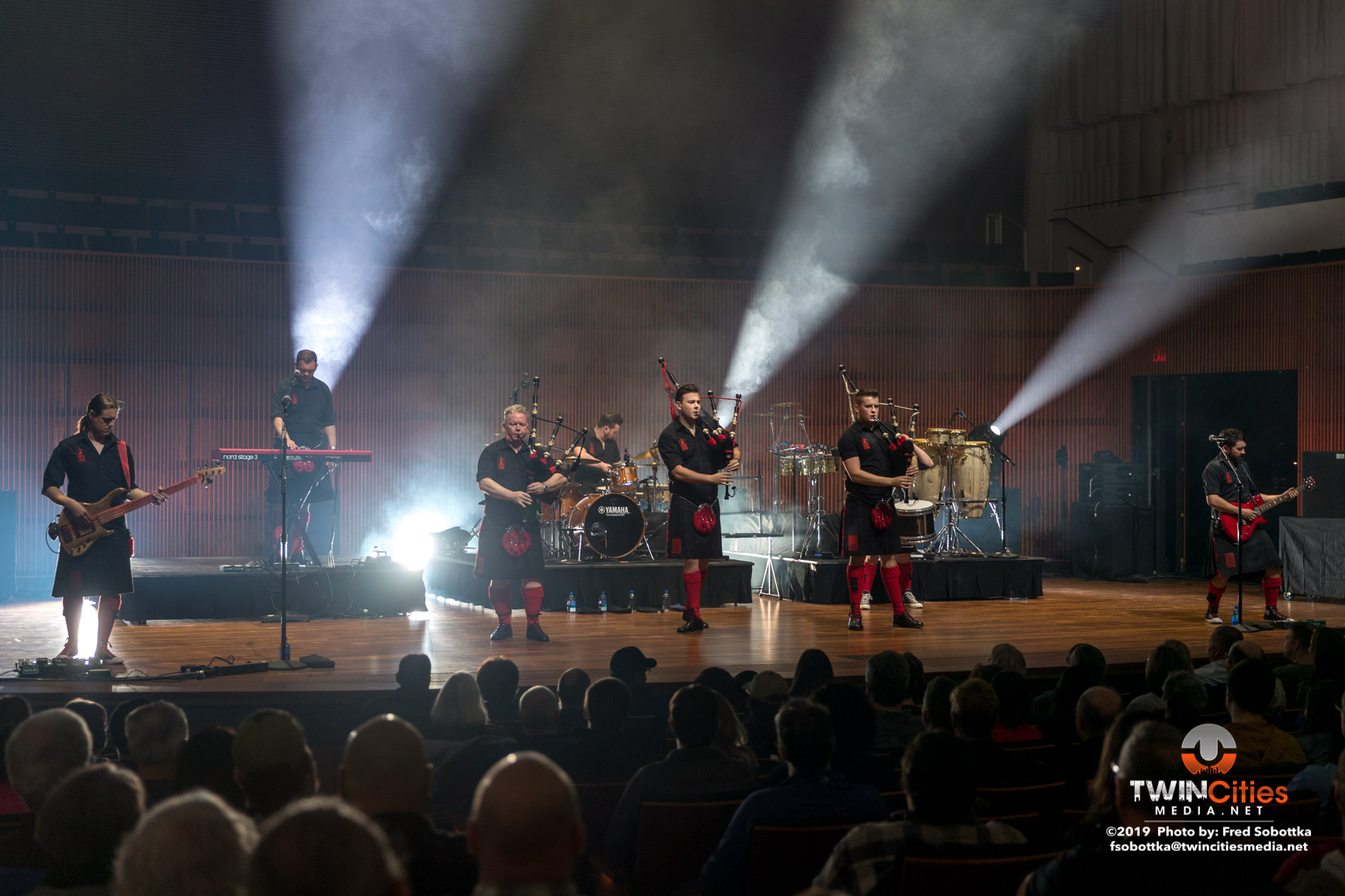 Red-Hot-Chilli-Pipers-01