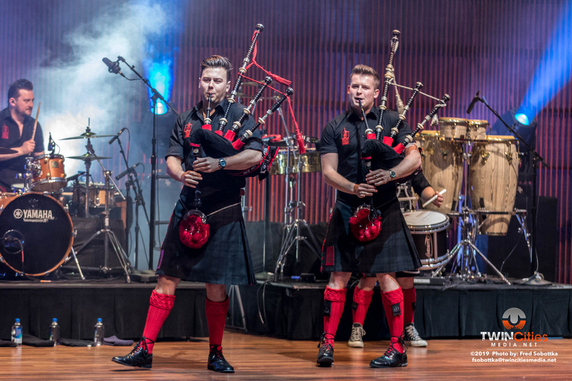 Red-Hot-Chilli-Pipers-02