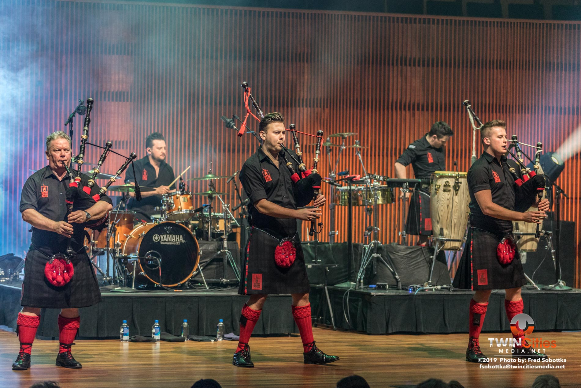 Red-Hot-Chilli-Pipers-04