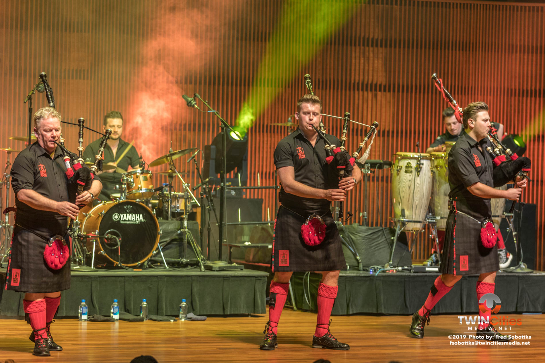 Red-Hot-Chilli-Pipers-17