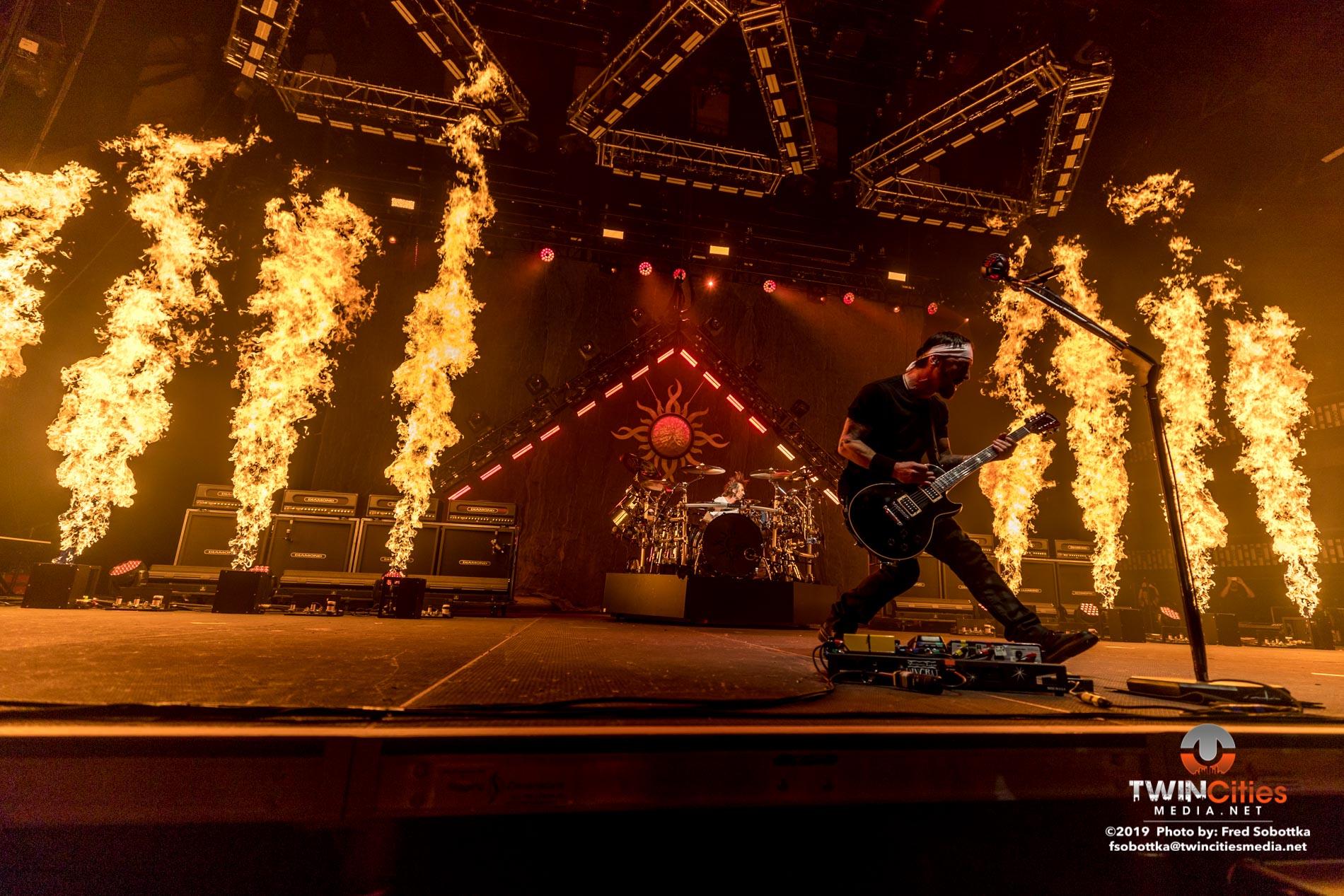 Godsmack-02