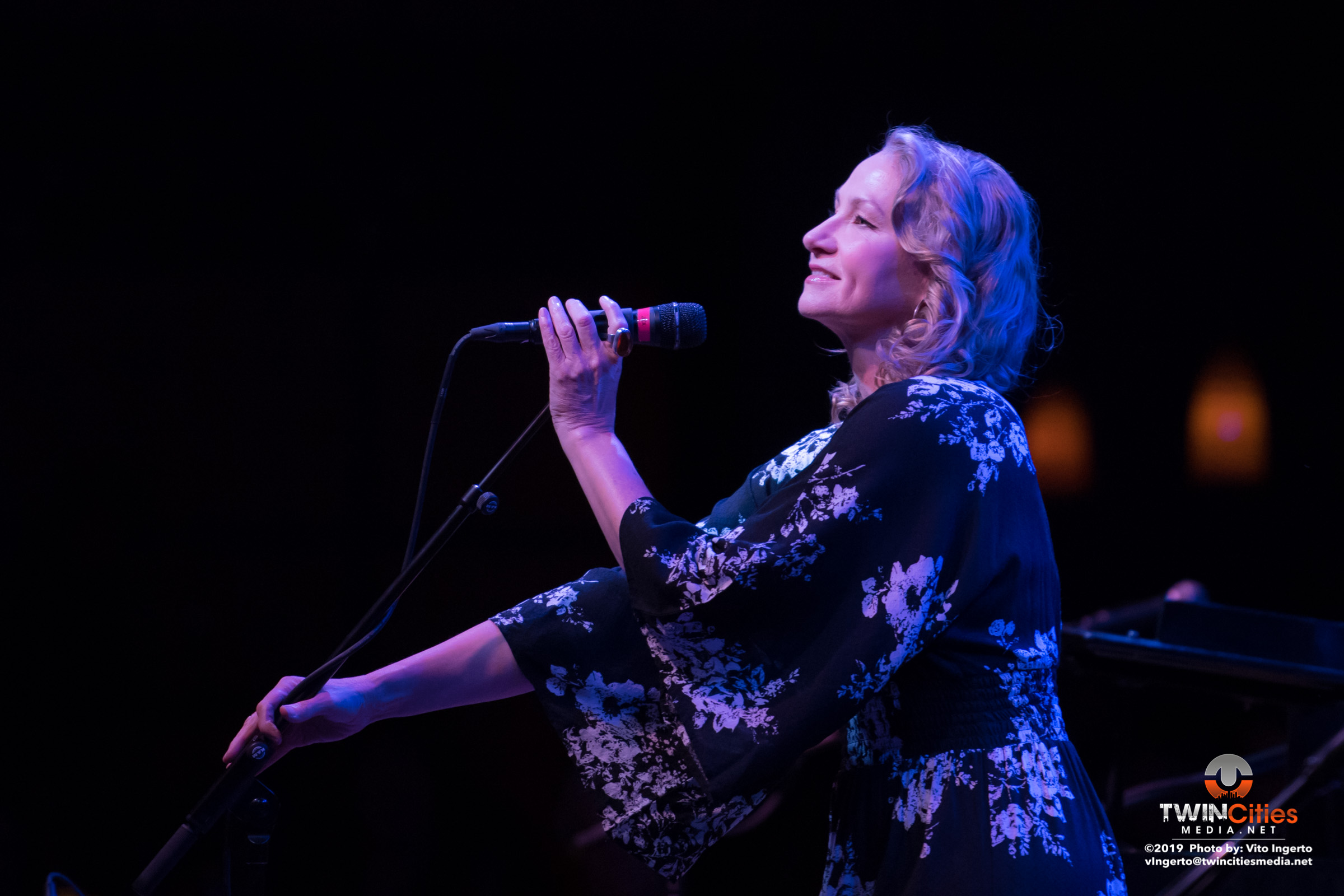 Joan-Osborne-1-of-16
