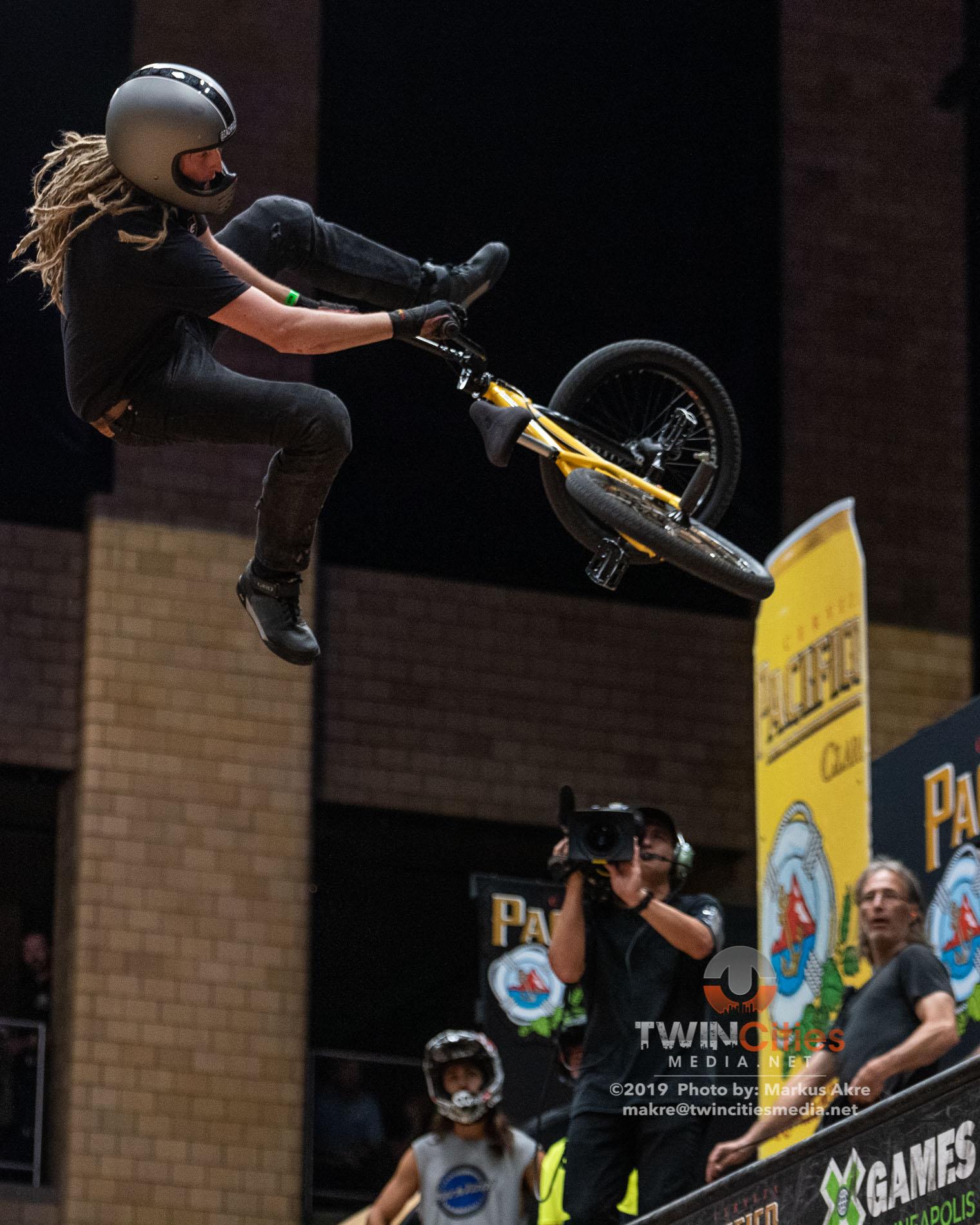 2019-X-Games-Day-1-BMX-Vert-6