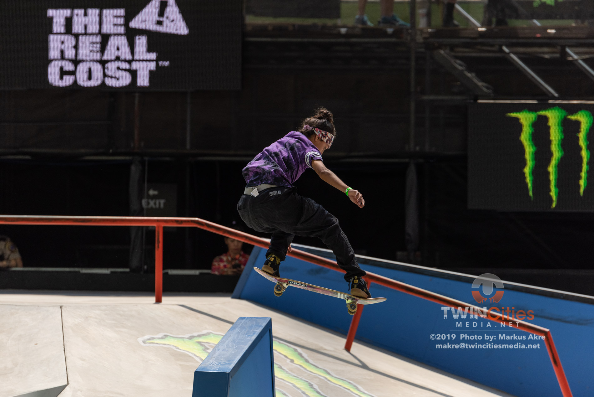 2019-X-Games-Day-4-Women-Skateboard-Street-15