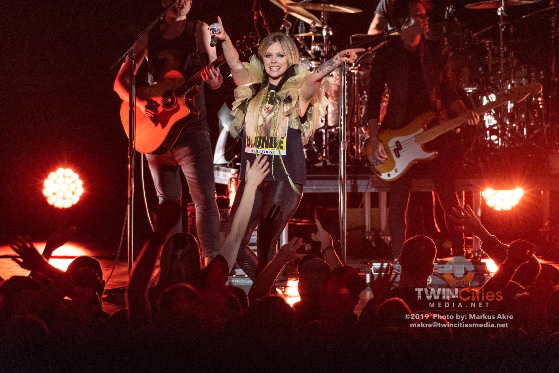 Avril-Lavigne-16