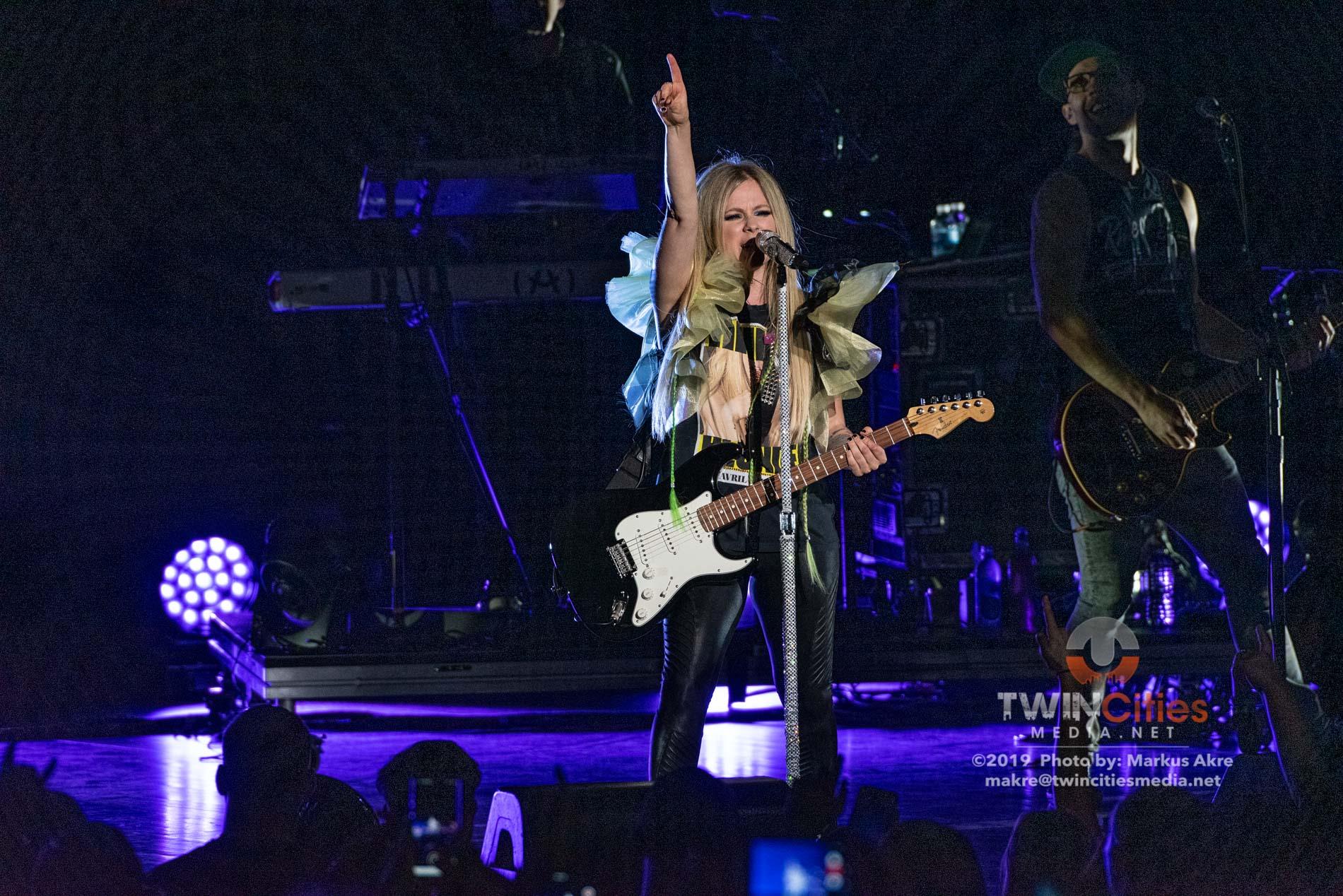 Avril-Lavigne-6