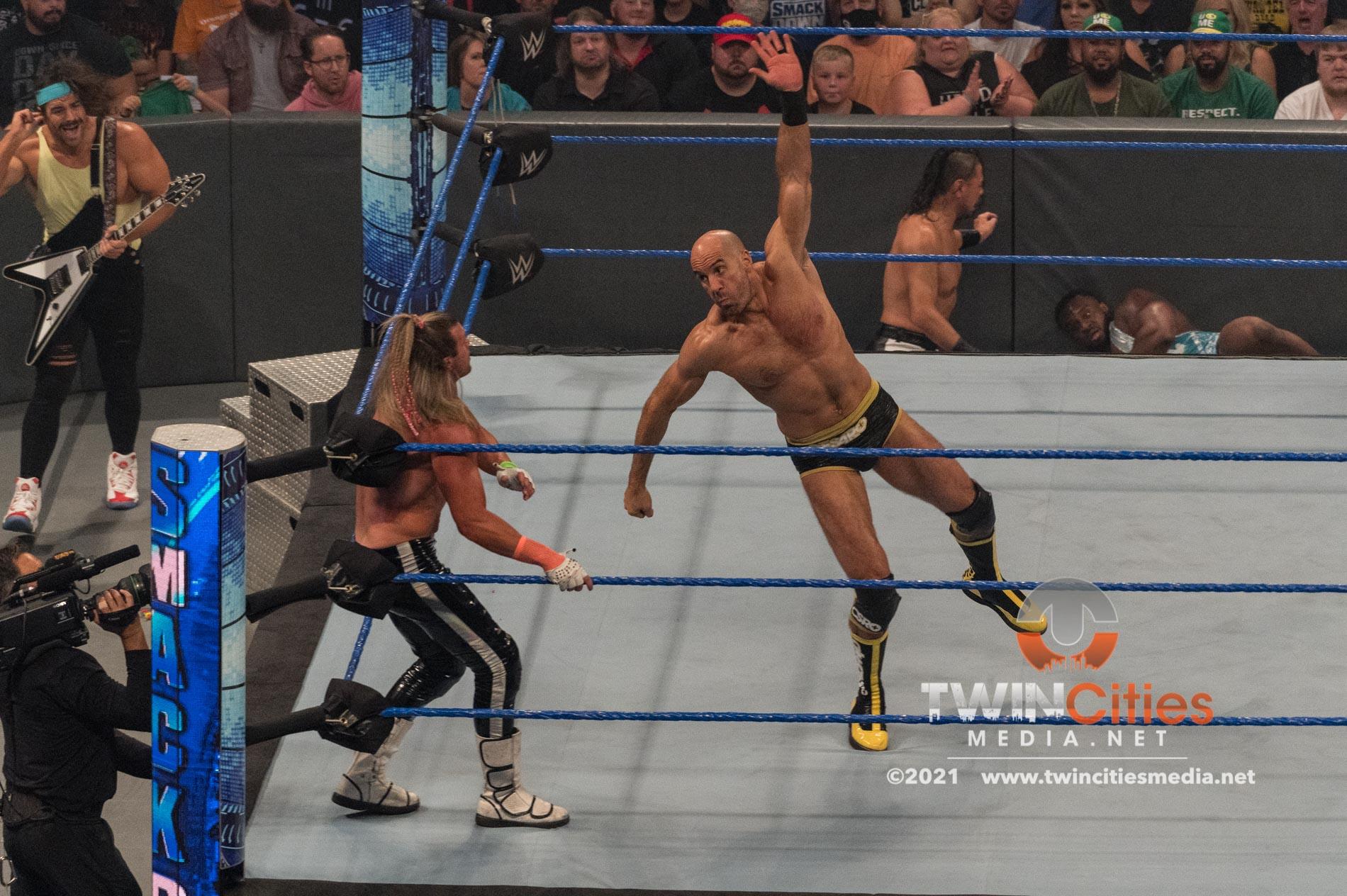WWE-Friday-Night-Smackdown-10