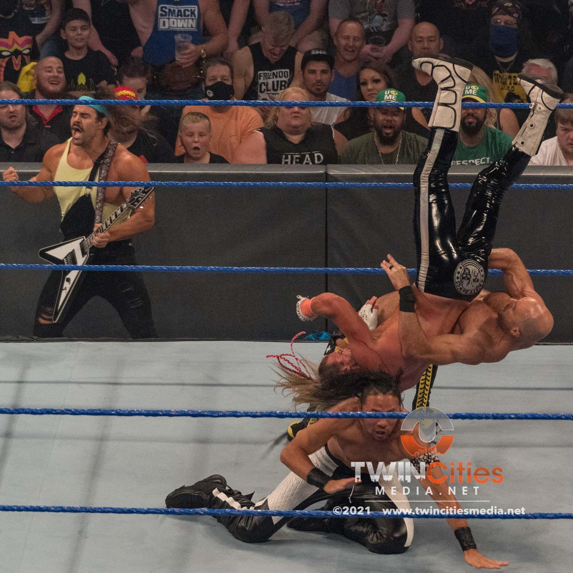 WWE-Friday-Night-Smackdown-12