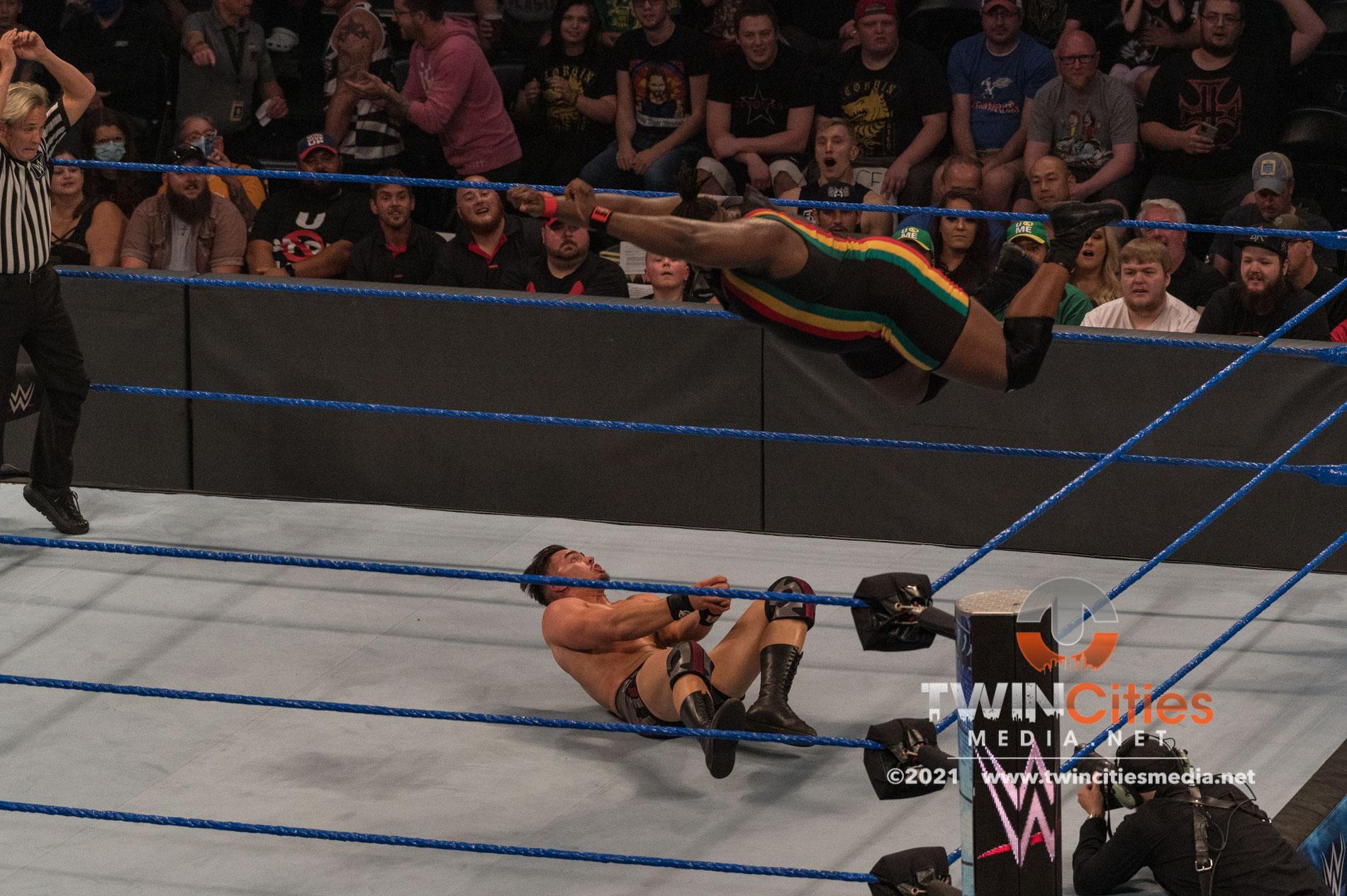 WWE-Friday-Night-Smackdown-2